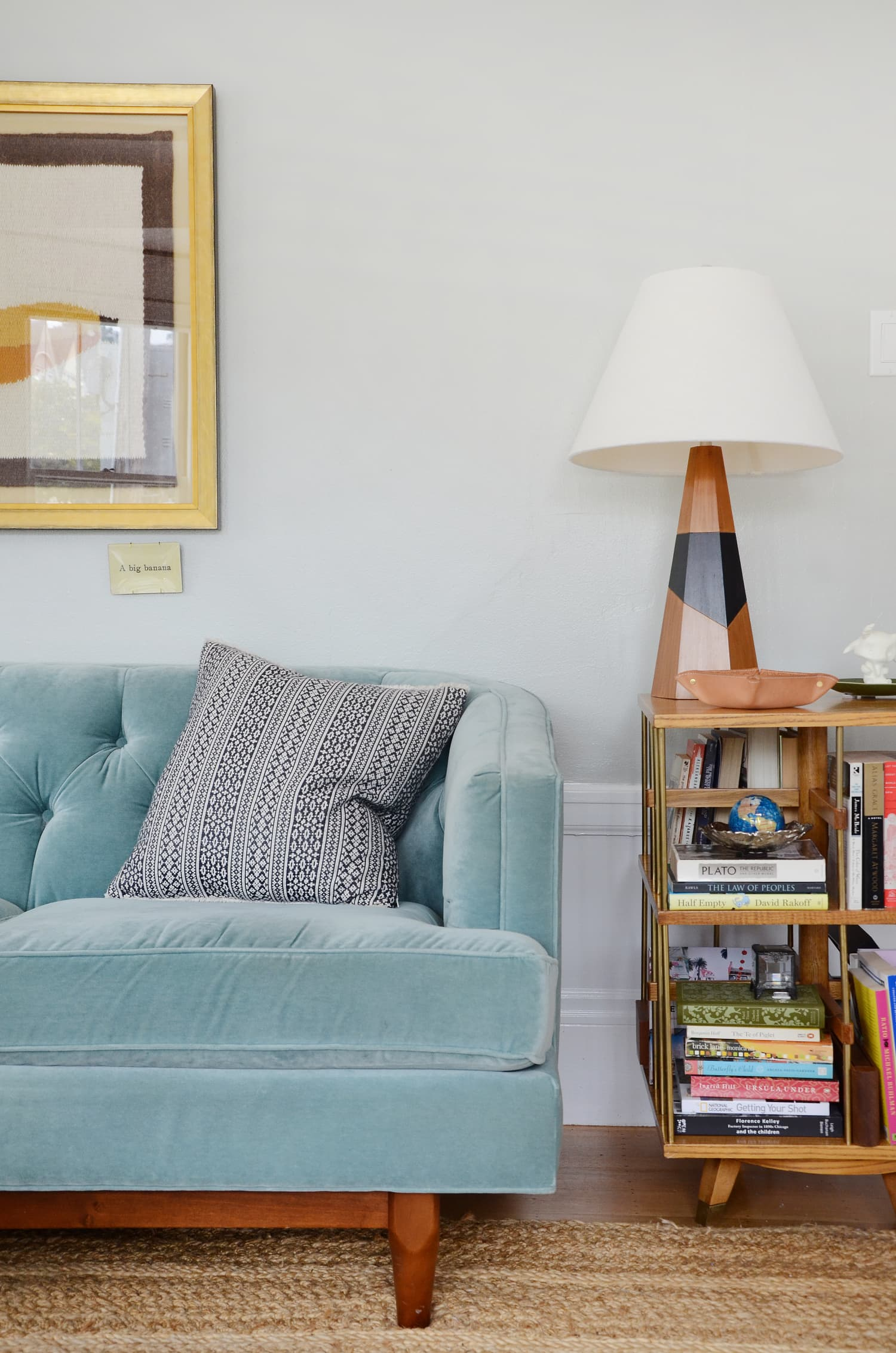 Small Space Solutions Living Room: Small Space Surface Solutions