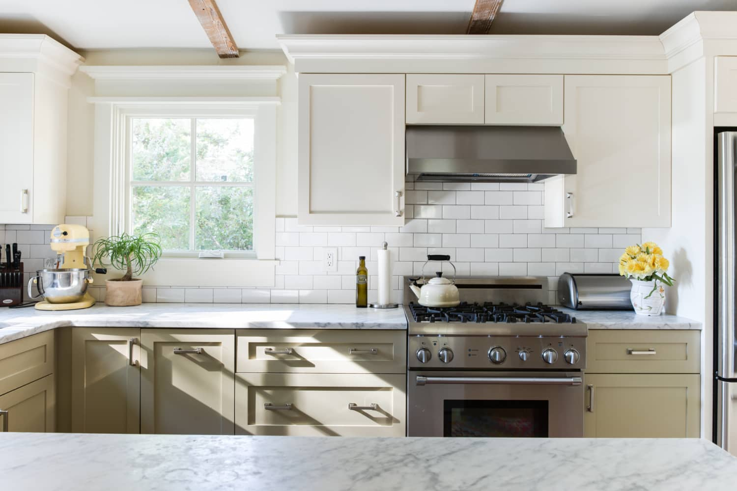 Painting ideas two tone kitchen cabinet colors - Pictures of painted kitchen cabinets ideas ...