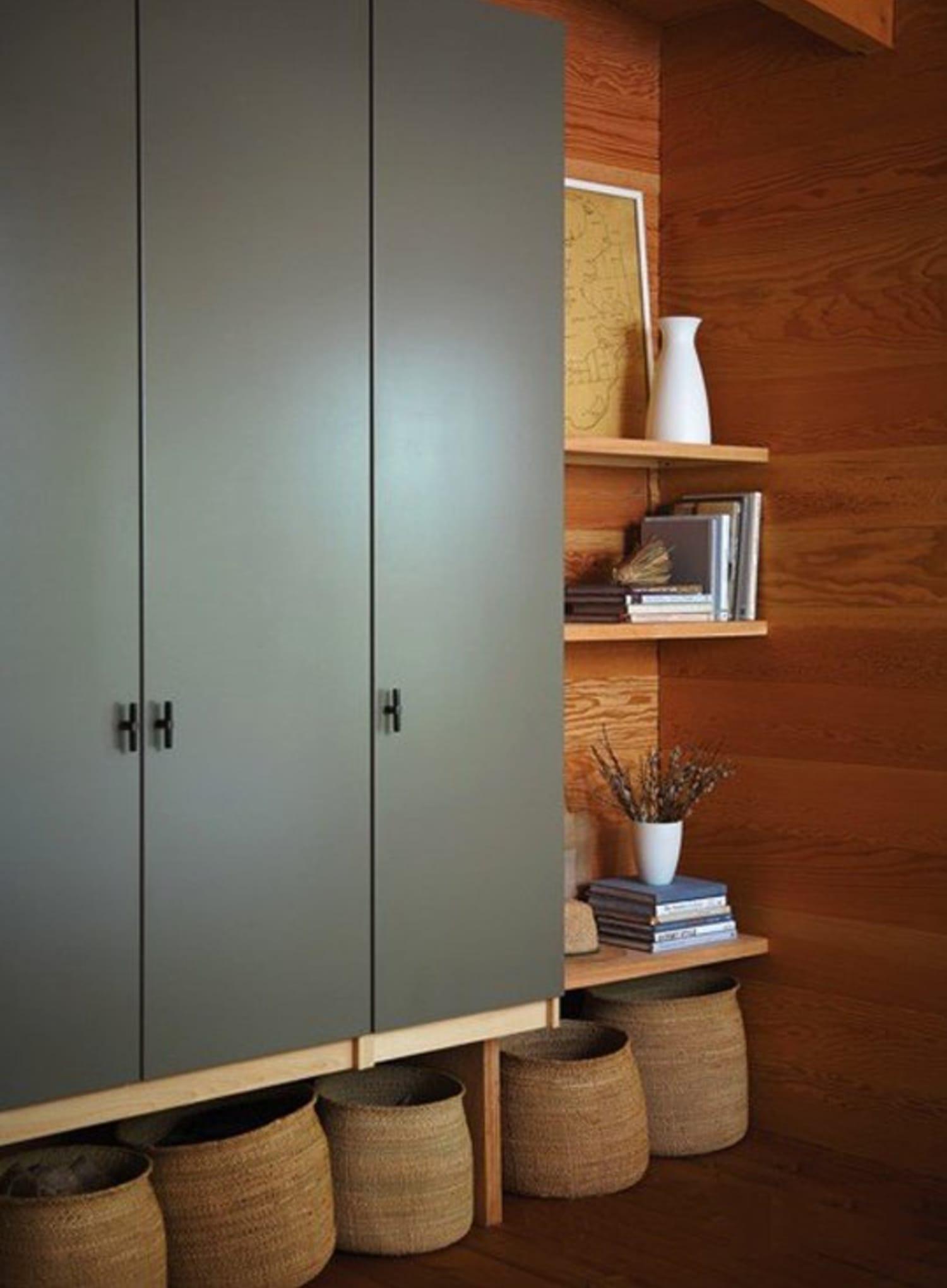 Ikea Garderobekast Pax Bergsbo.Ikea Hacks Diy Ways To Make Cheap Wardrobes Look More Expensive