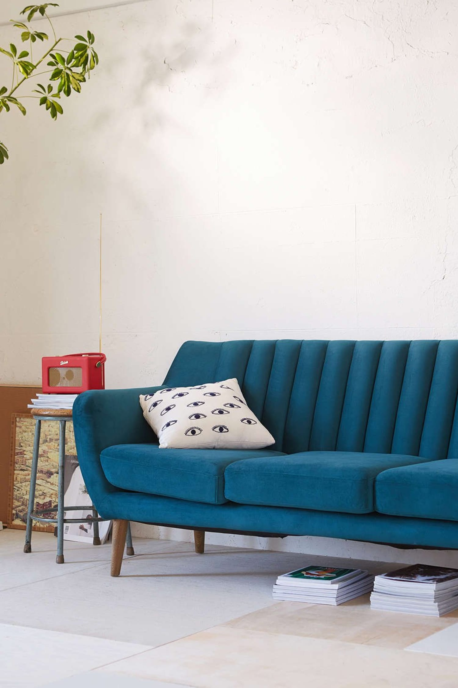 The best sofas under 800 apartment therapy - Best sectionals for apartments ...