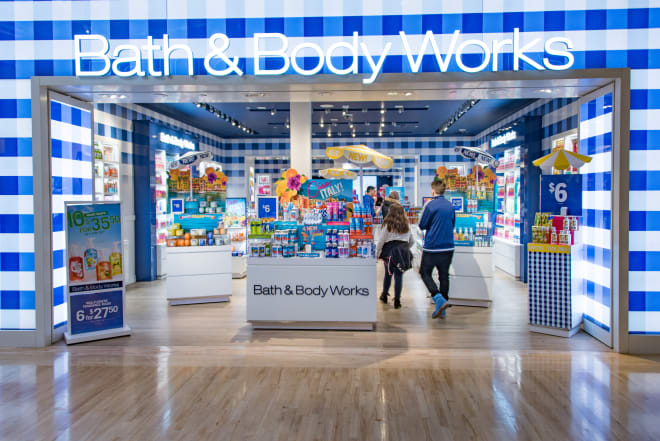 Bath & Body Works Has a Candle Flash Sale Right Now