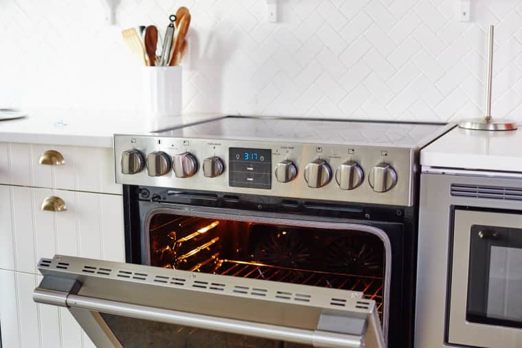 How to Clean a Self-Cleaning Oven by Yourself