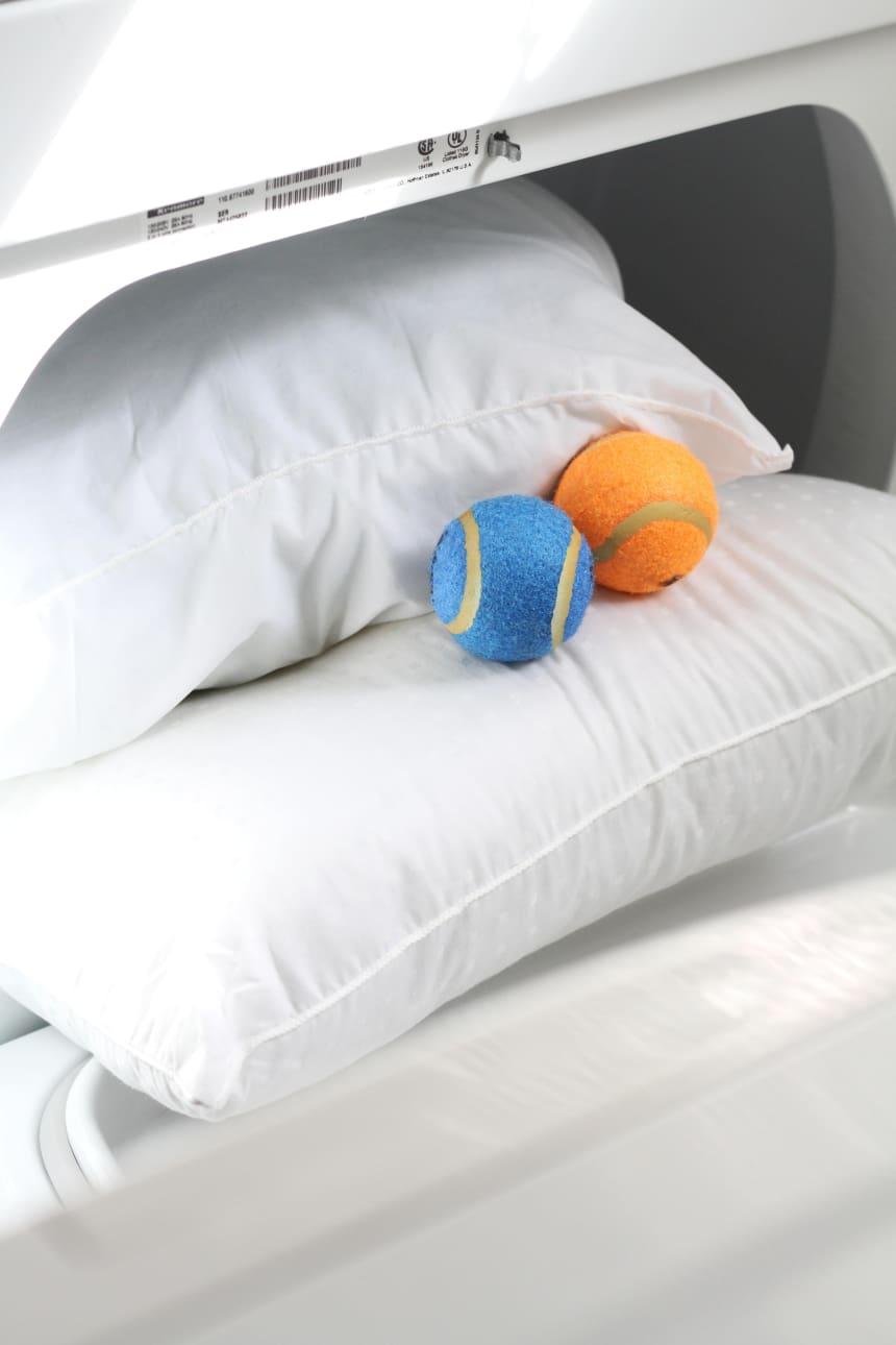 как постирать подушку из пера