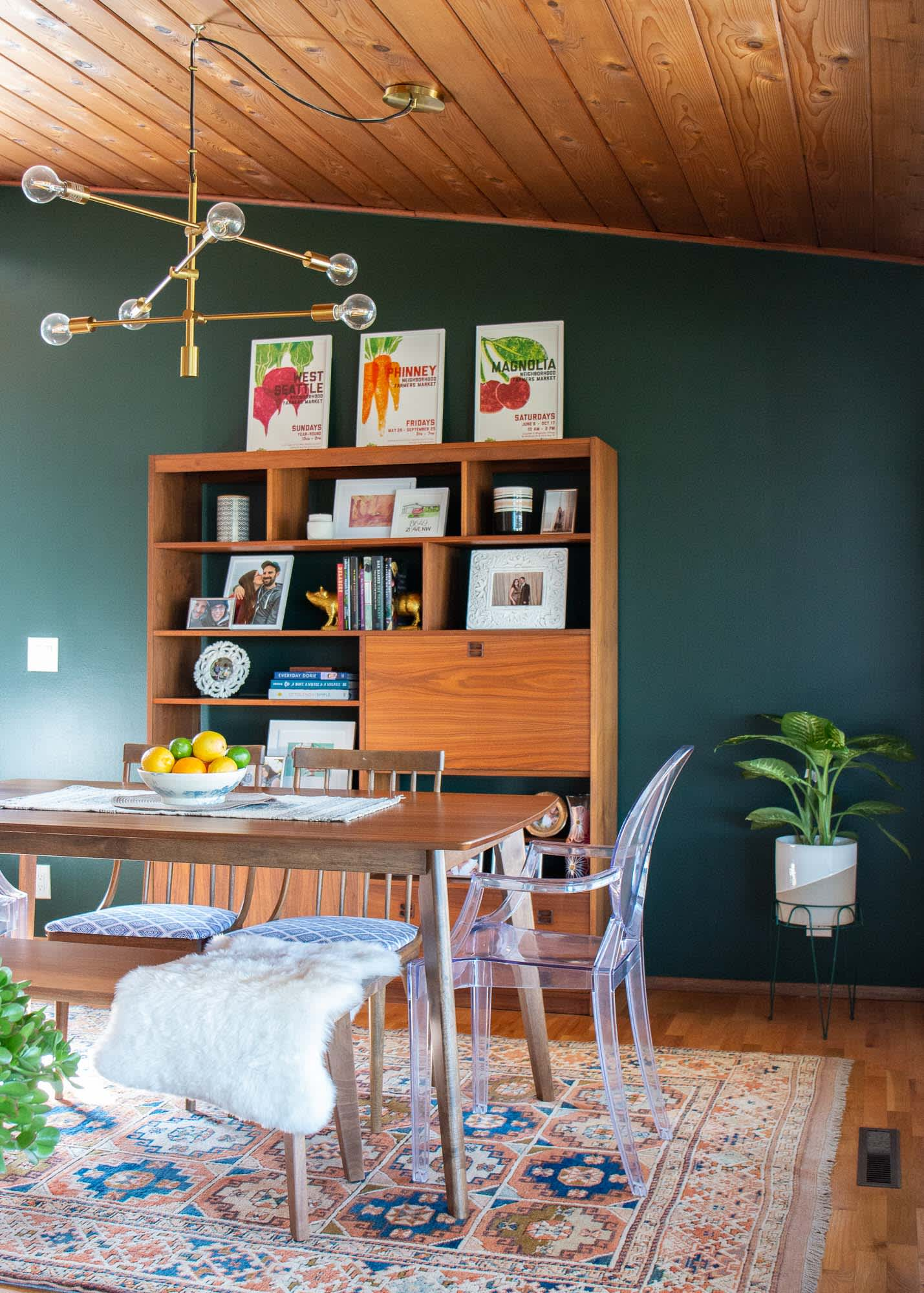 A Seattle Home's Dining Room Has a Great Green Accent Wall: gallery image 9