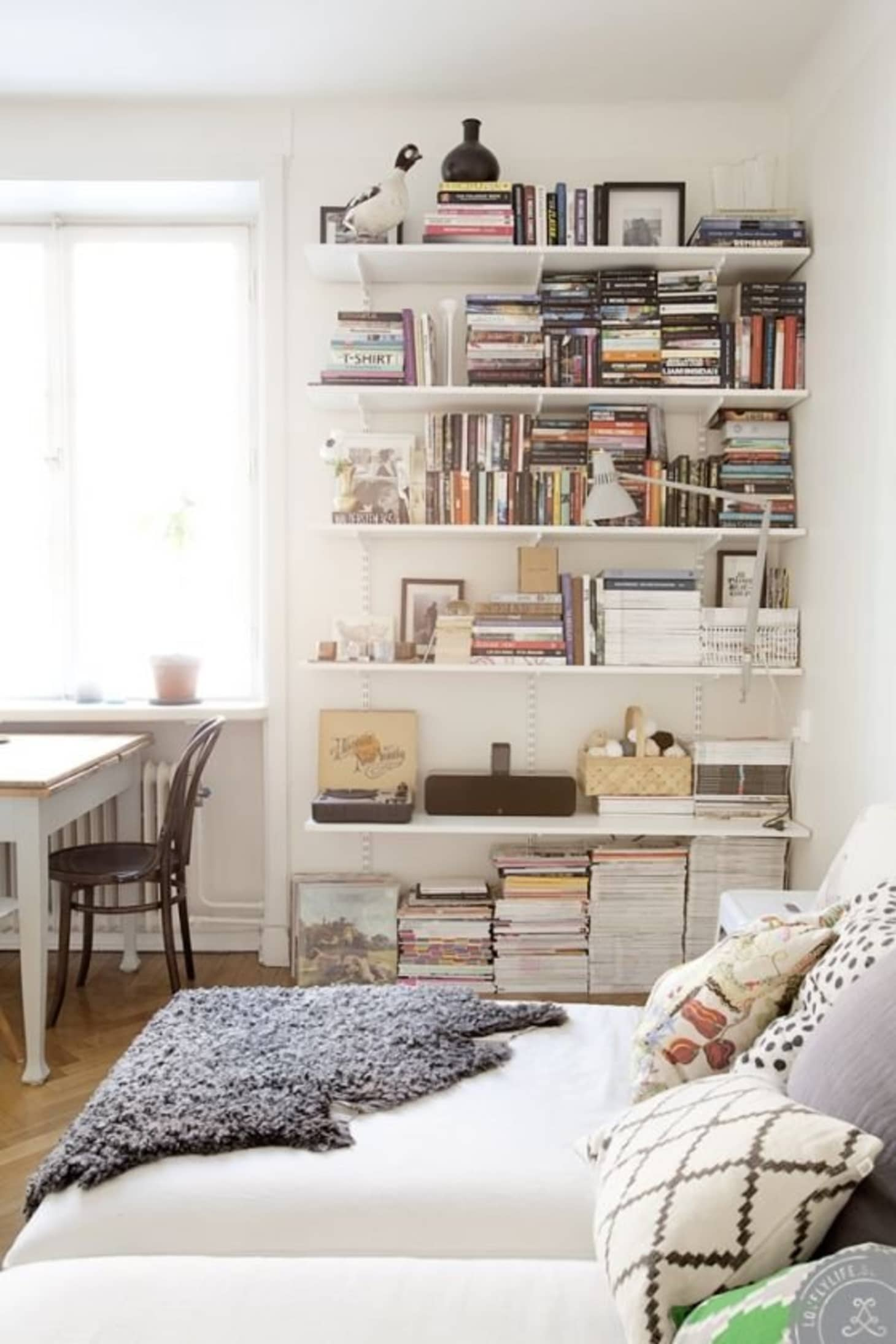 wholesale dealer 17914 3ab95 Space Saver: Swap Out Bookcases for Built-in Shelving ...