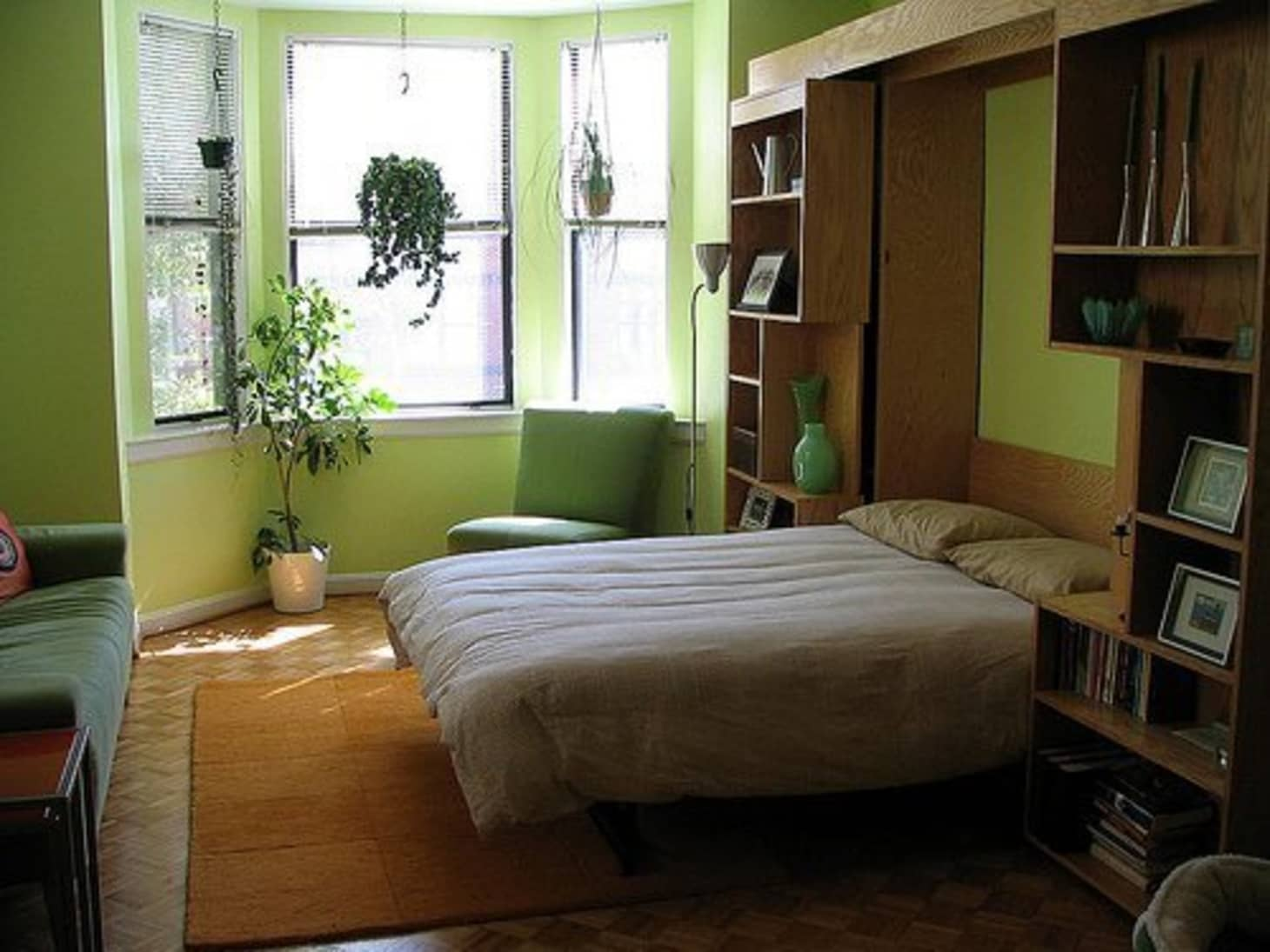 I\'m Stuck with a Murphy Bed: Ideas for Dressing It Up ...