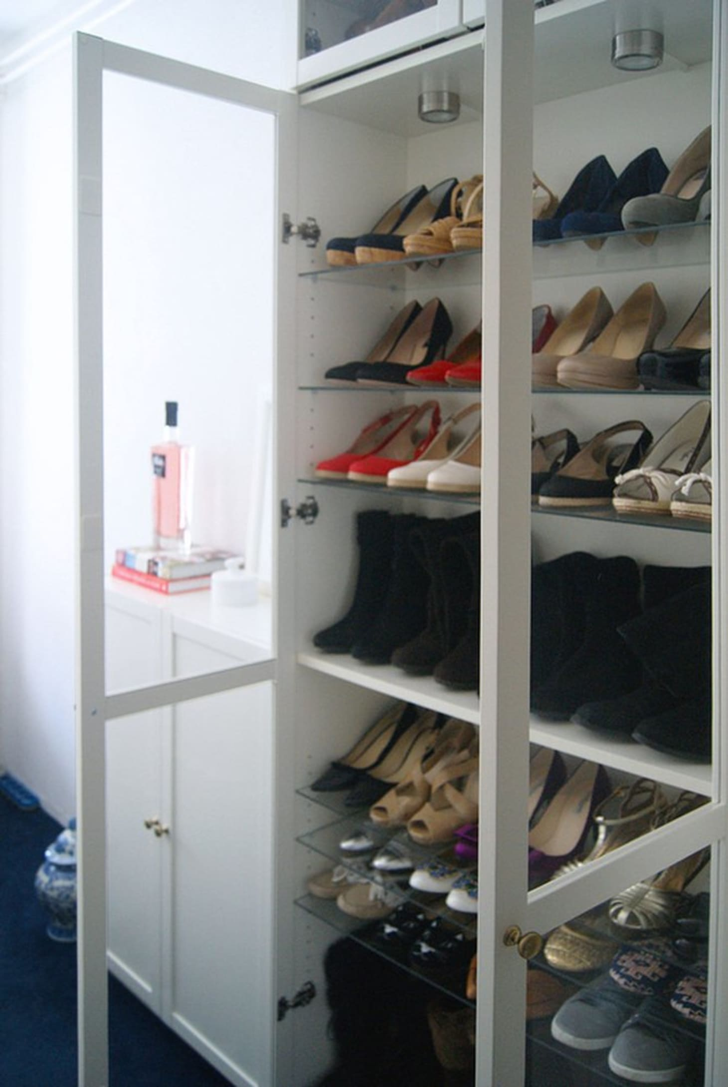 Closet Inspiration Use Ikea S Billy Bookcase To Mimic