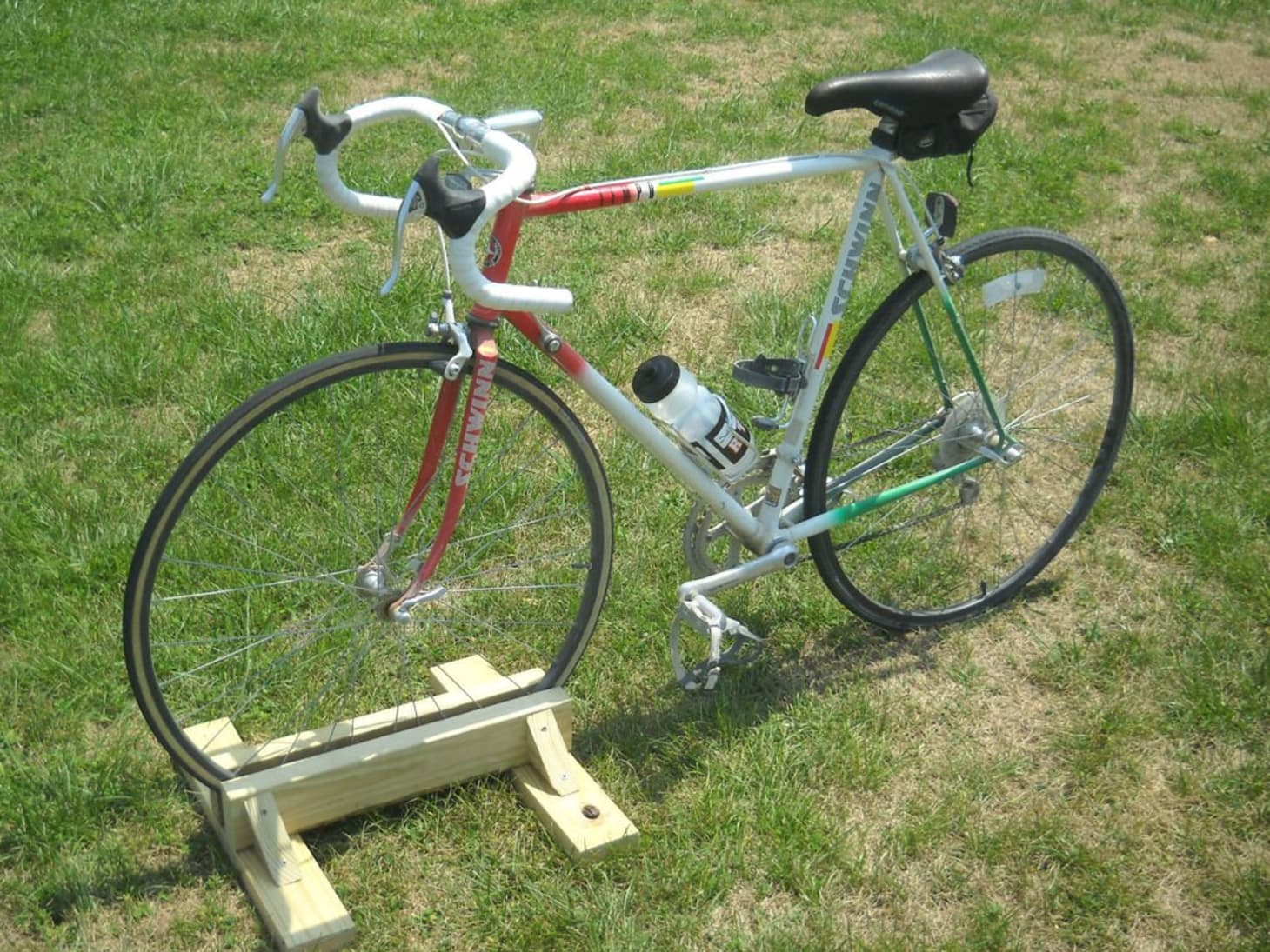 DIY Ideas: 9 Bike Stands You Can Make Yourself | Apartment
