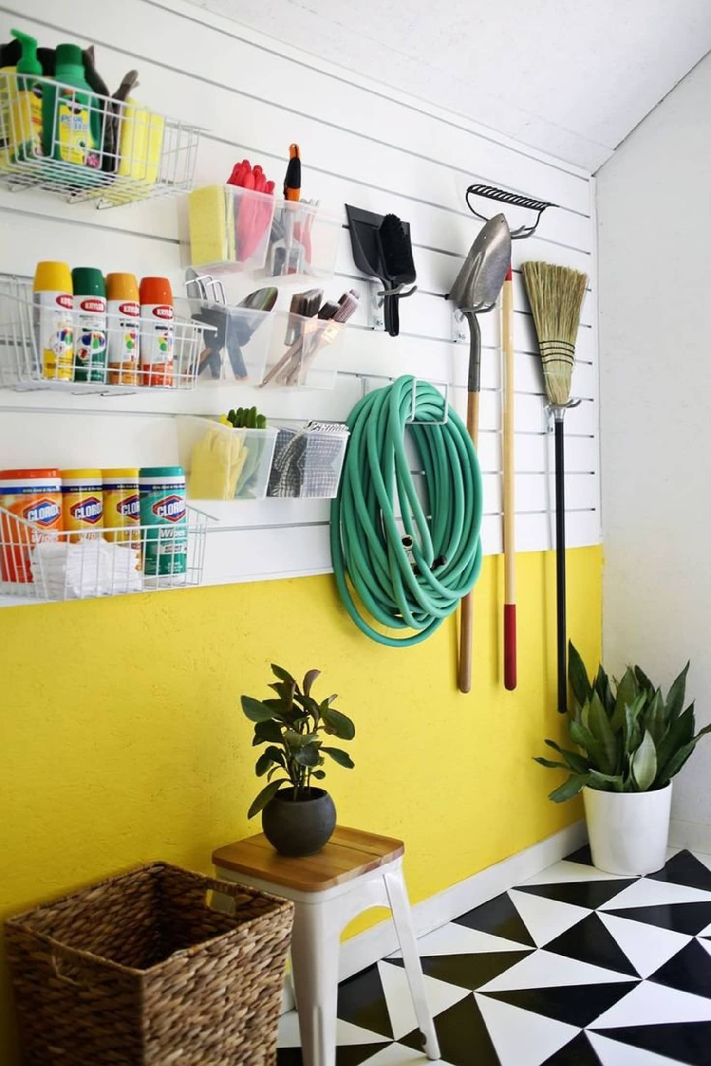20 Clever Ideas For A Super Organized Garage Apartment
