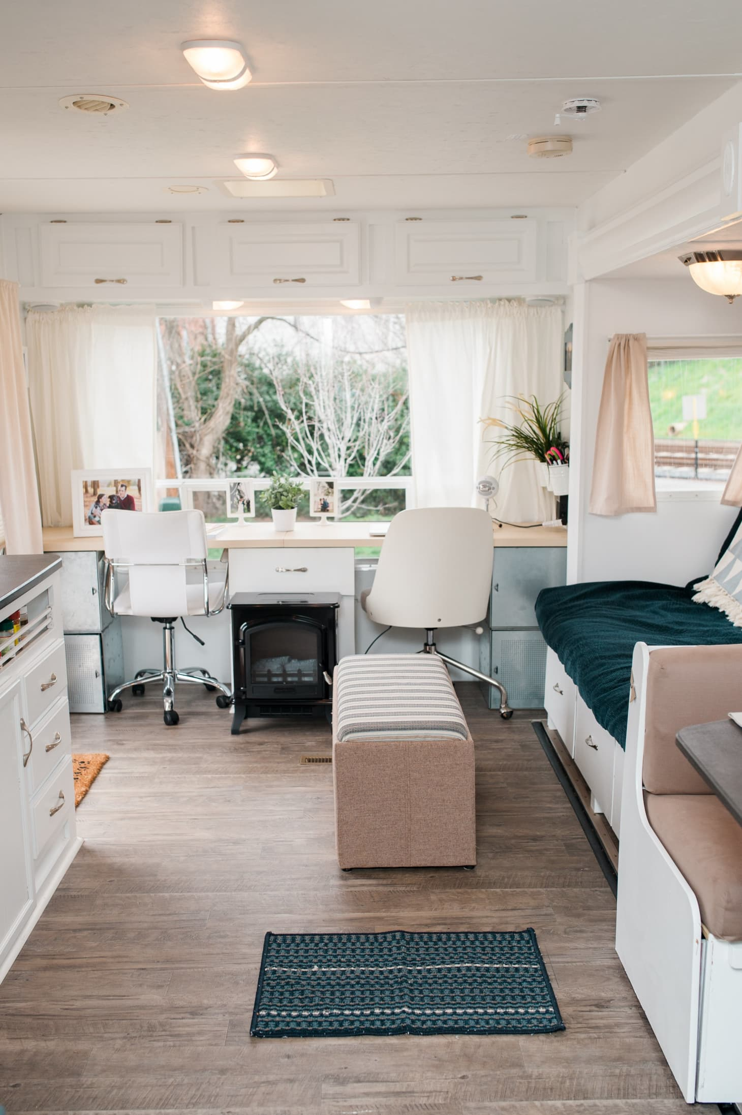House Boats, RVs & Other Unconventionally Stylish Homes