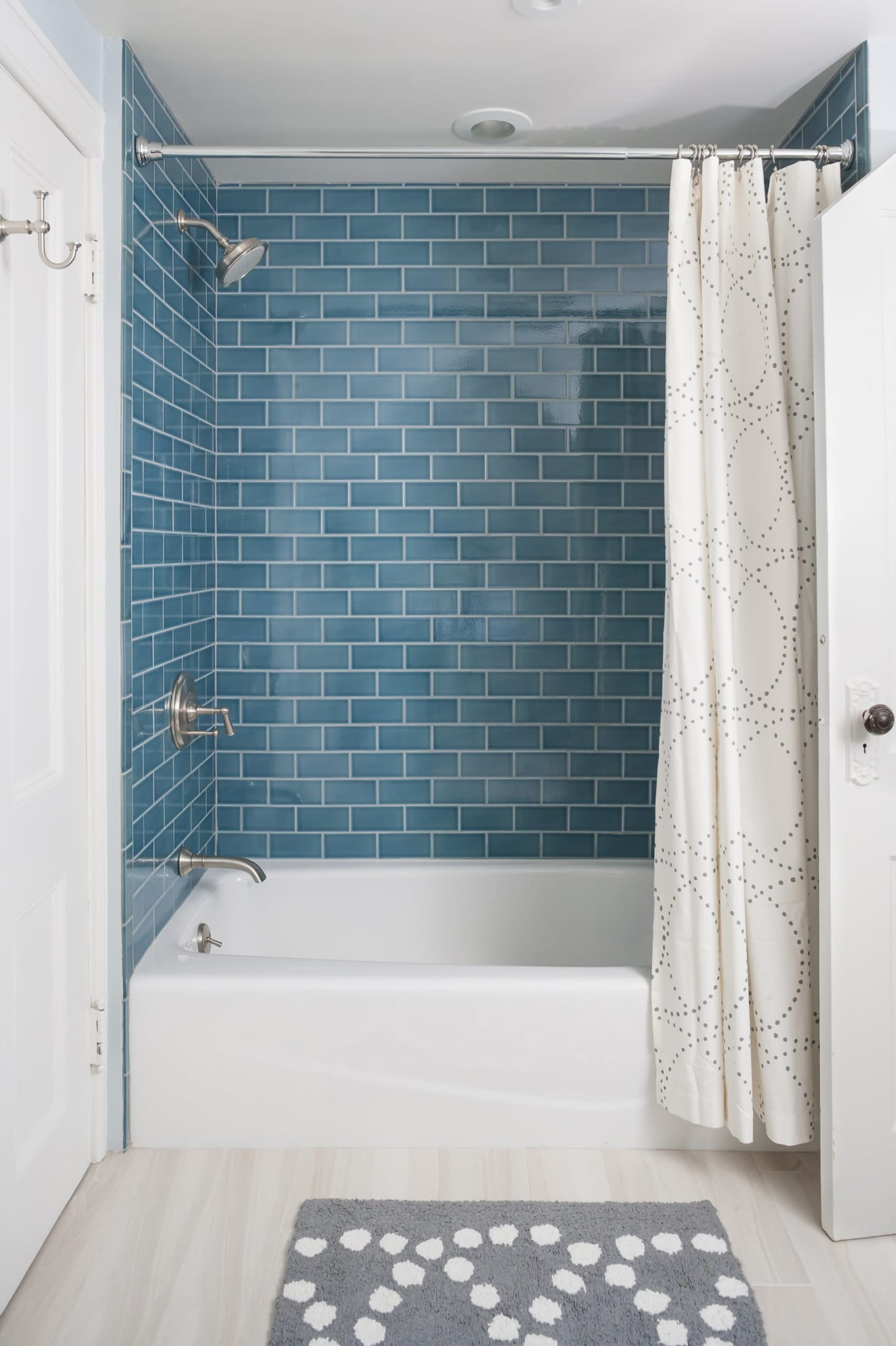 5 Fresh Ways To Shake Up The Look Of A Bathtub Shower Combo