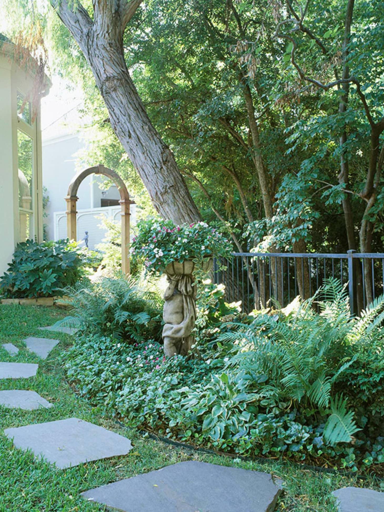 Garden Therapy Different Garden Ideas: 7 Different Ways To Design A Simple Garden Walkway