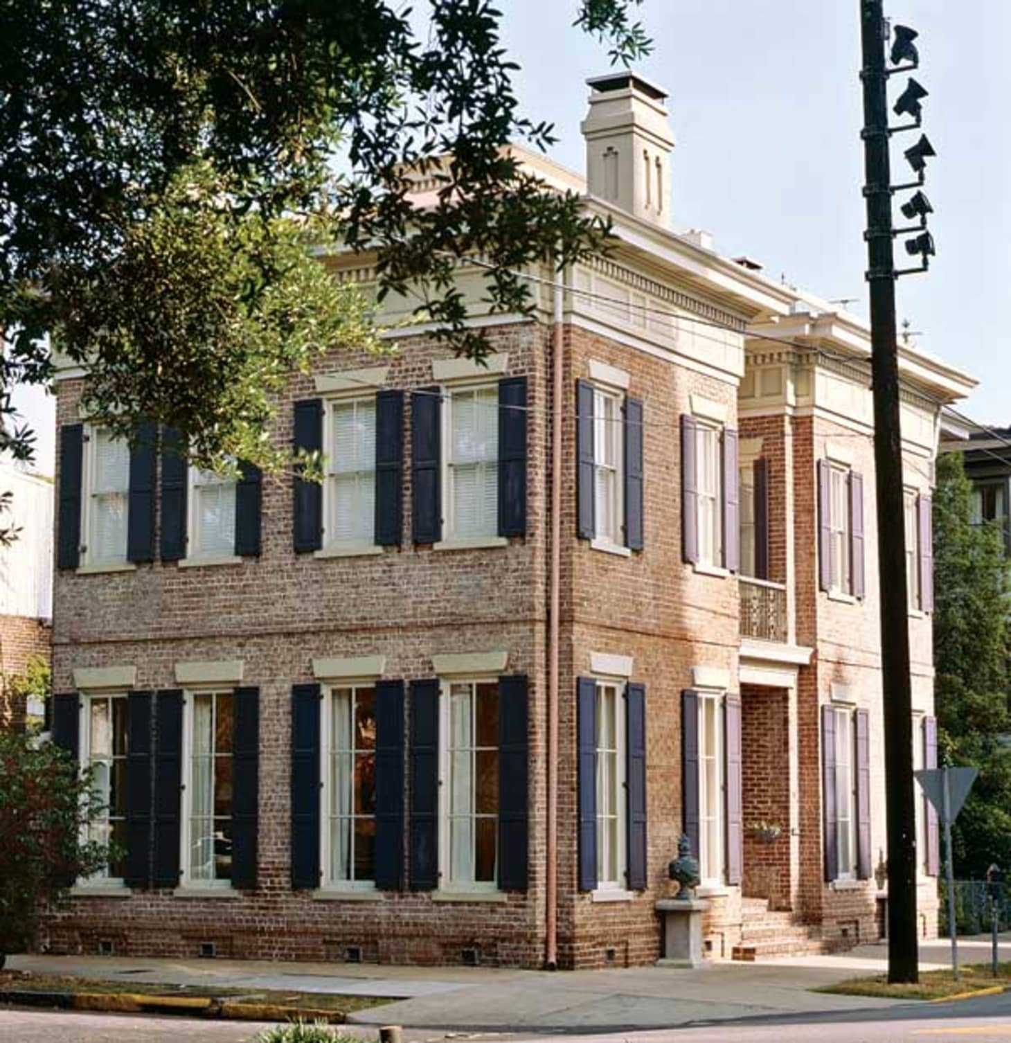 5 Of The Most Swoon-Worthy Homes In Savannah, Georgia