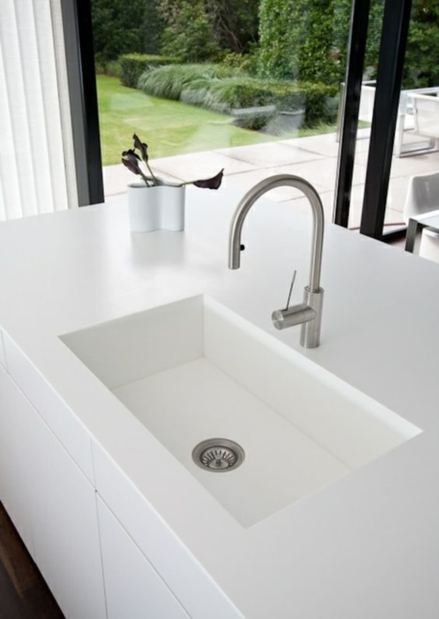Kitchen Sink Guide: Stainless, Cast Iron, Marble + More