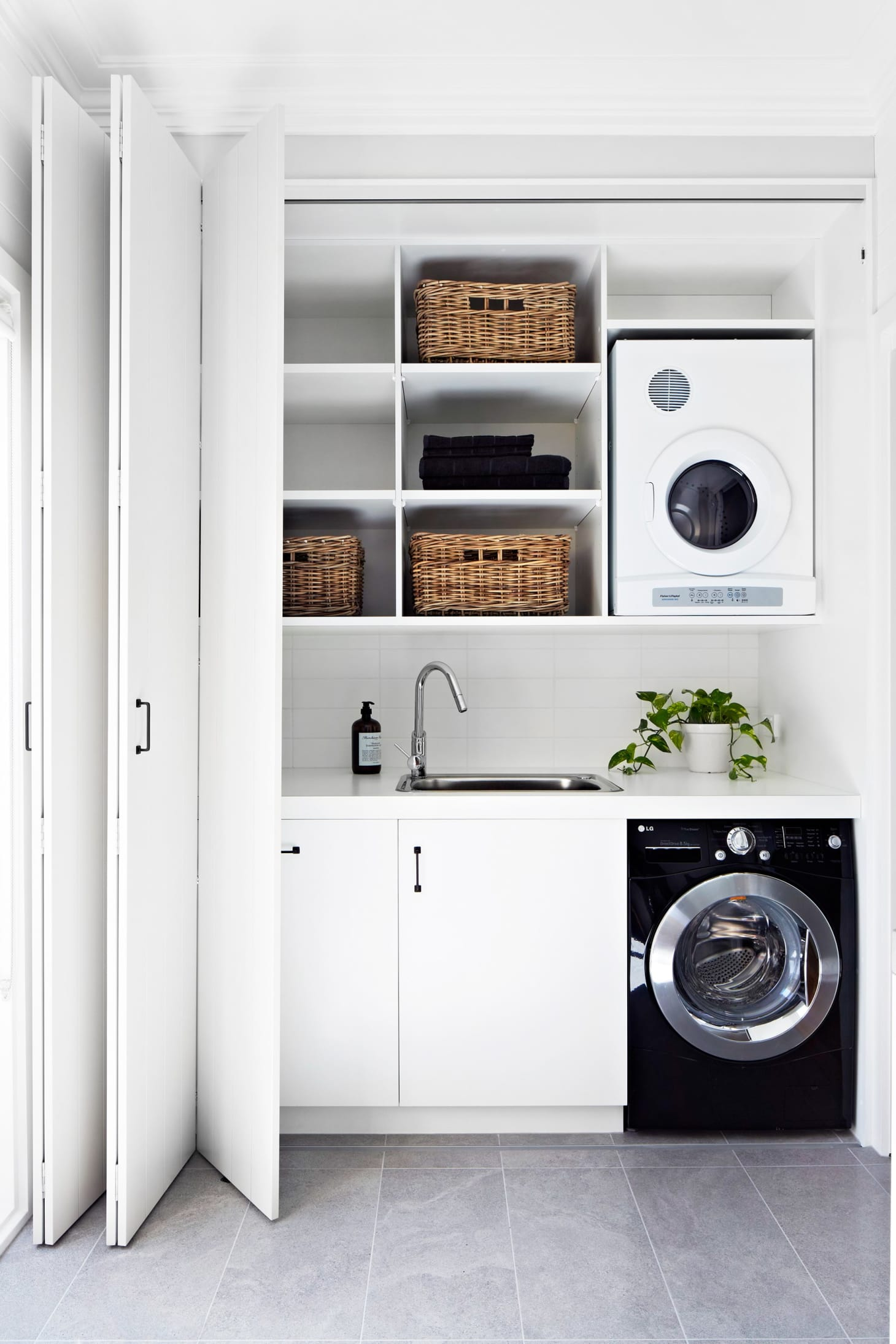Small Laundry Room Remodeling and Storage Ideas | Apartment