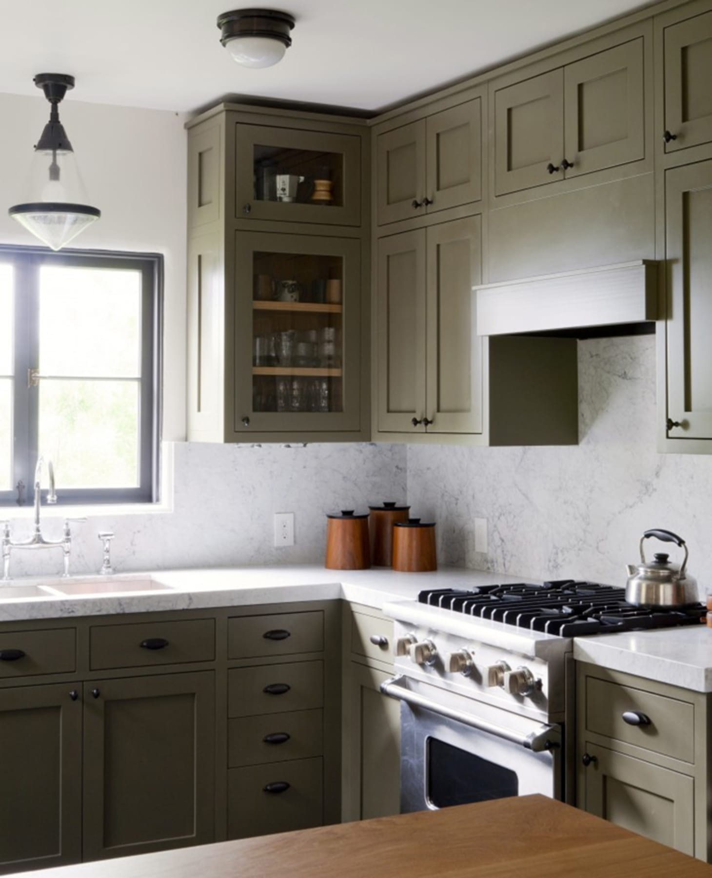 Greene And Greene Kitchen Cabinets: Green Painted Kitchen Cabinets We Love Right Now