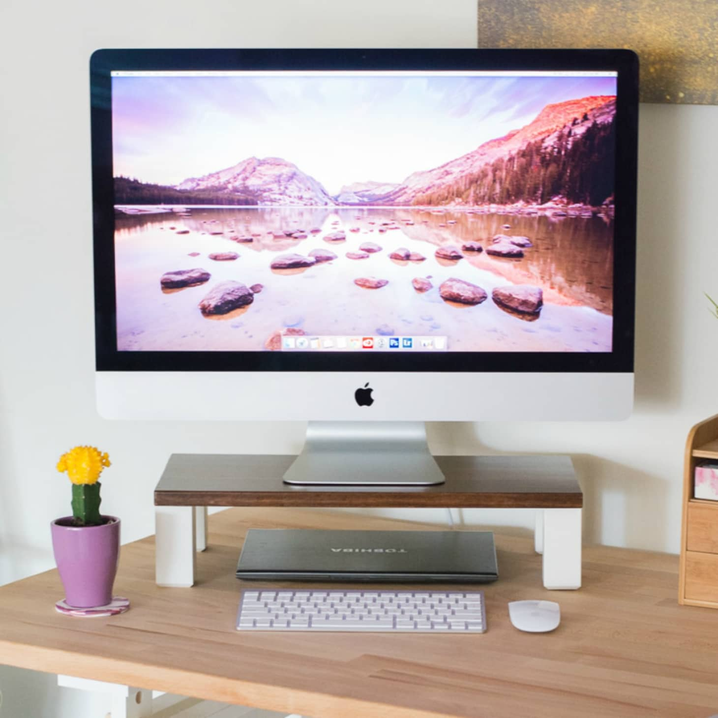 5 Ways to Organize a Desk Without Drawers | Apartment Therapy