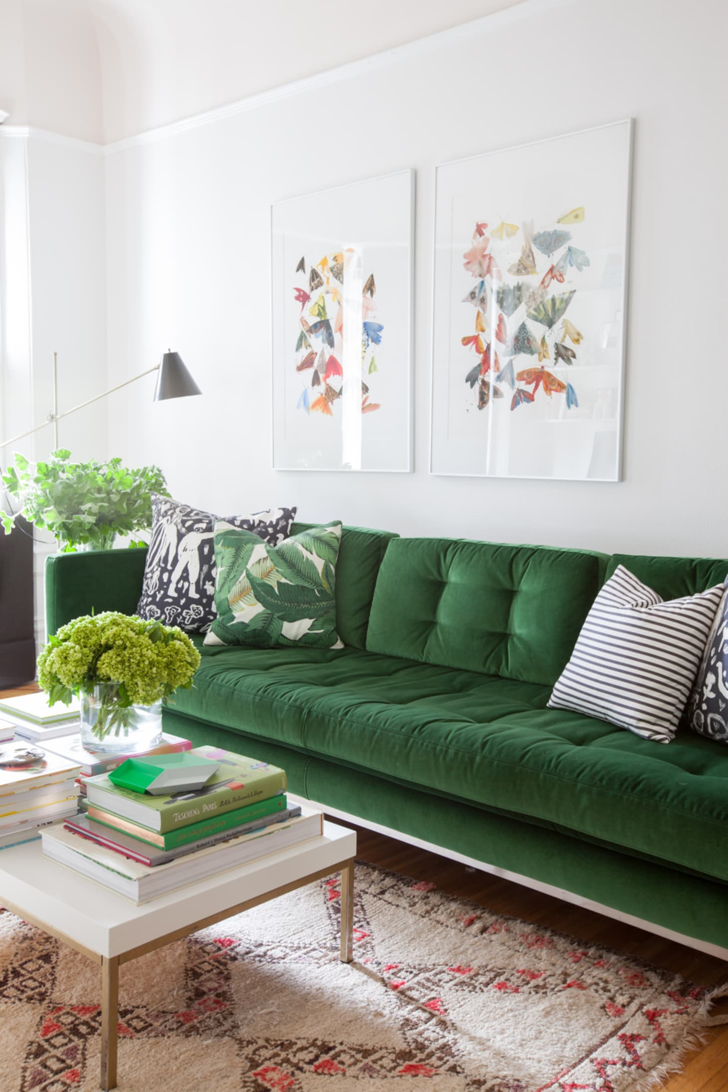 The Couch Trend for 2017: Stylish Emerald Green Sofas ...