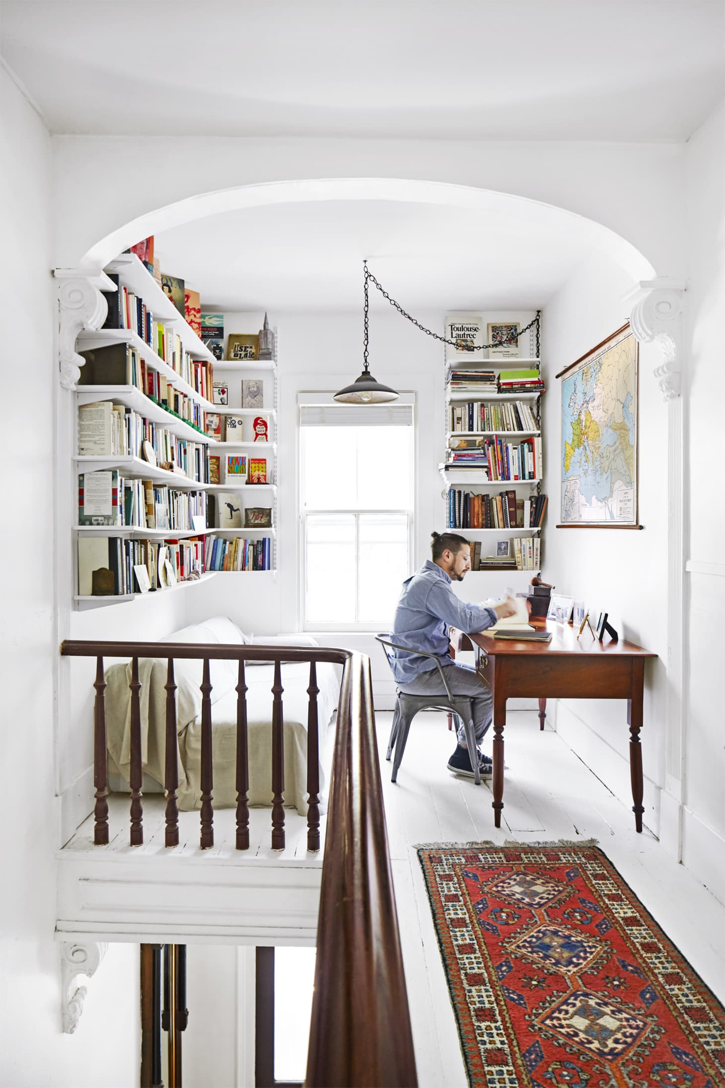 Don T Waste An Inch Ideas For Using A Really Narrow Room