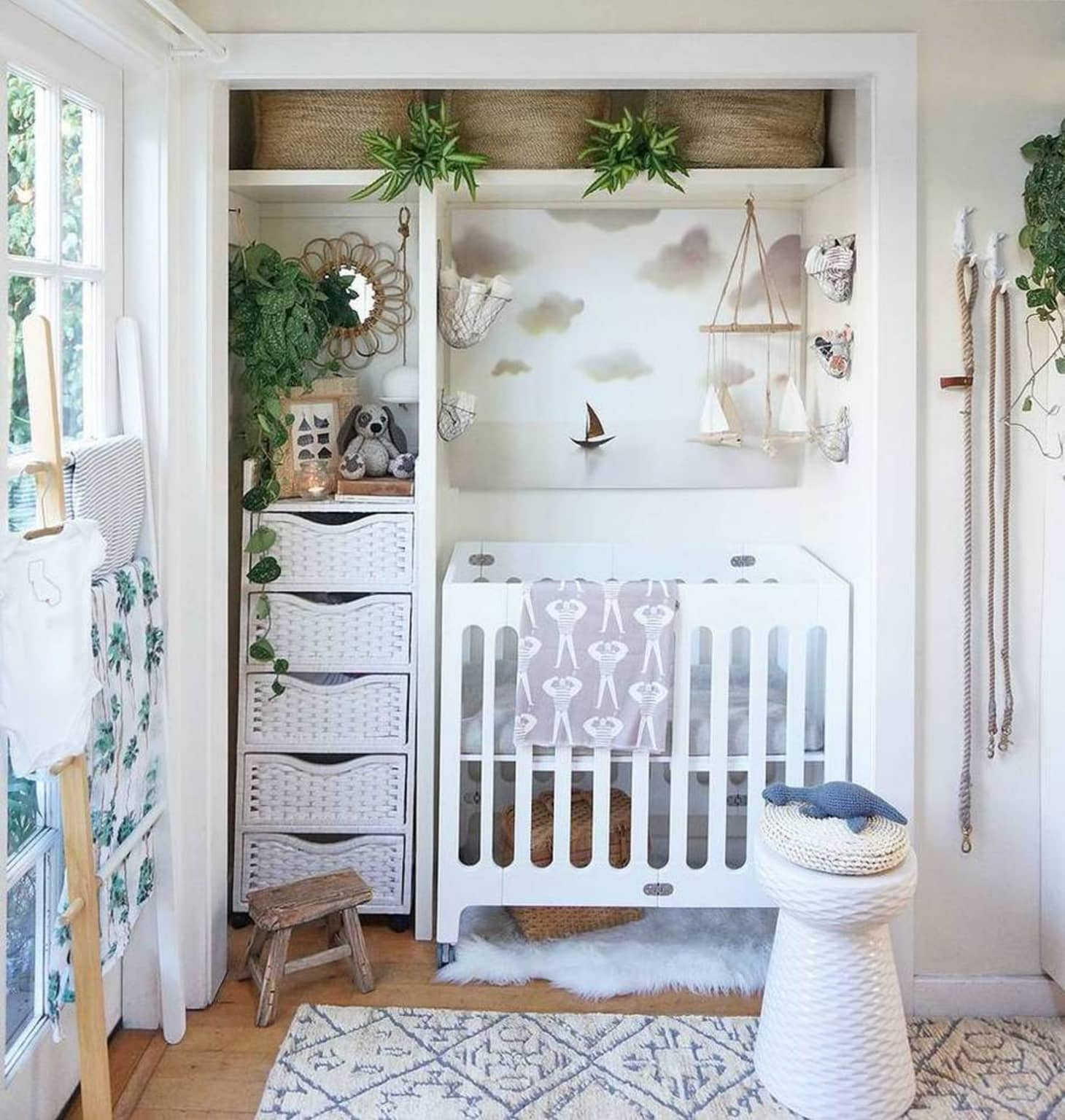 How to Fit a Nursery Into Your Very Small Space | Apartment ...