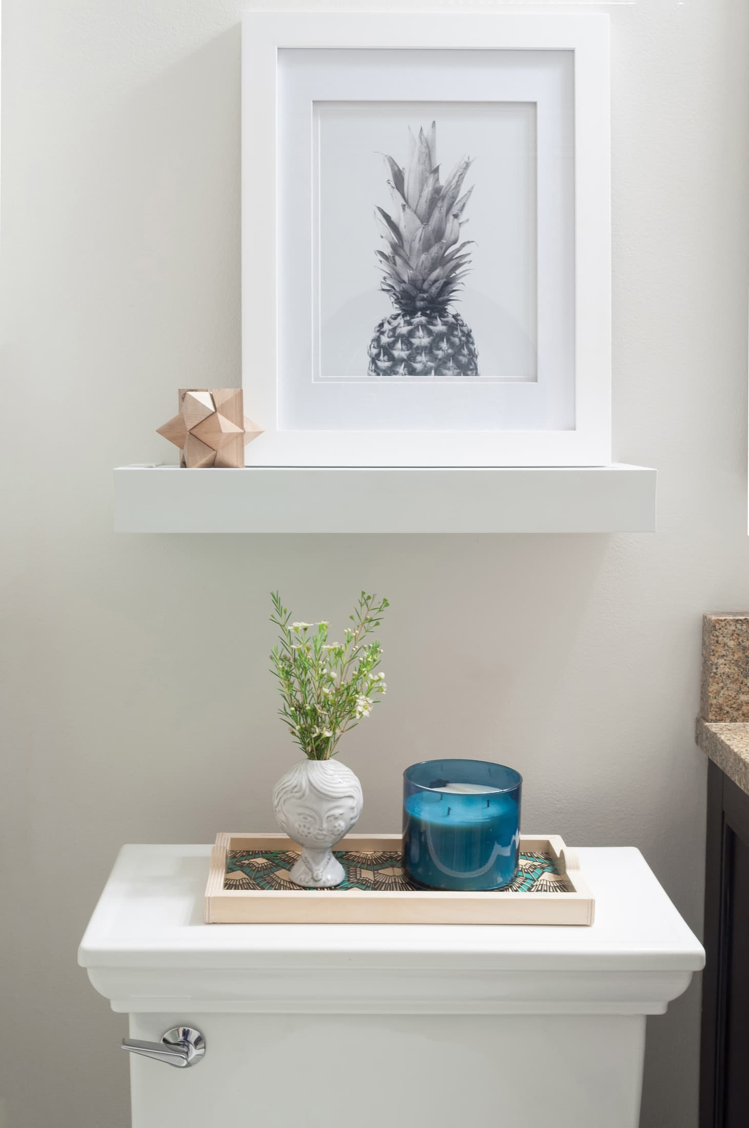 Enjoyable Floating Shelf For Renters Takes 5 Minutes And No Tools Home Remodeling Inspirations Genioncuboardxyz
