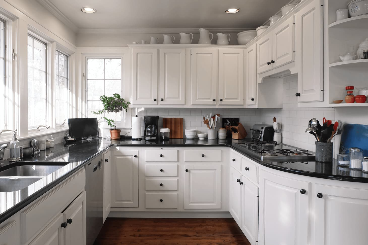 Kitchen Cabinet Styling Tips | Apartment Therapy