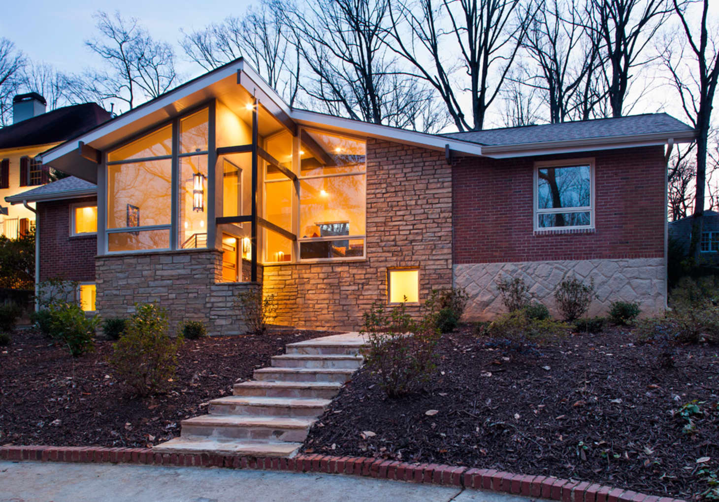 Ranch House Exterior Renovation Ideas to Steal | Apartment ...