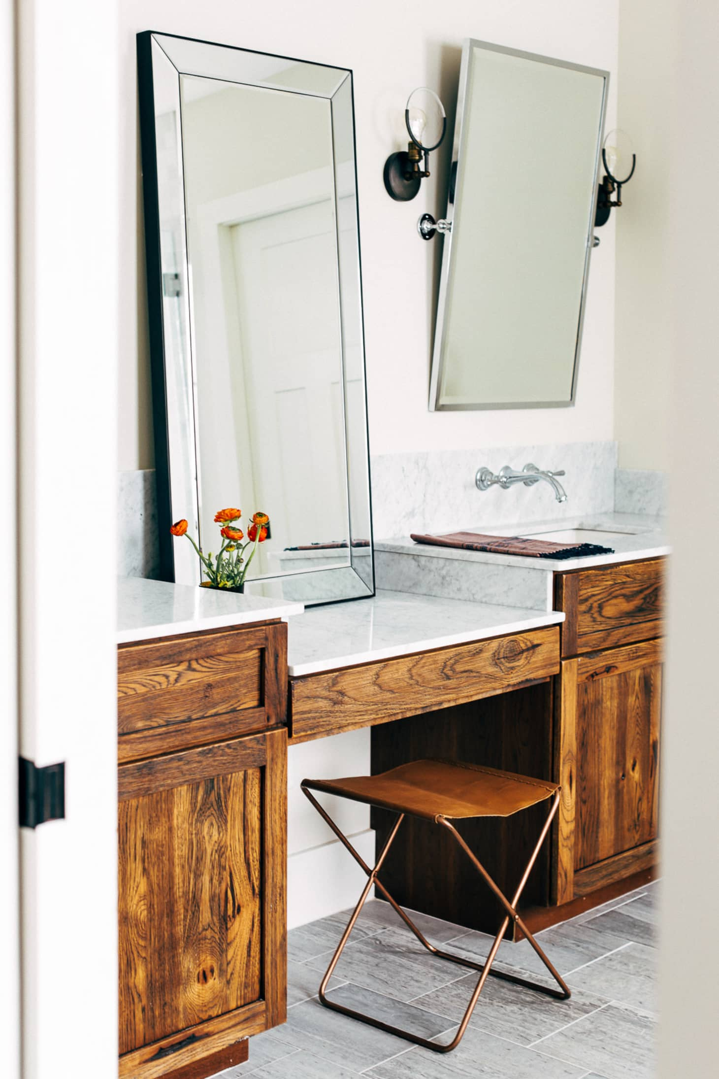 Bathroom Vanity Extended Over Toilet: Bathroom Vanity Ideas That Add A Little Luxury