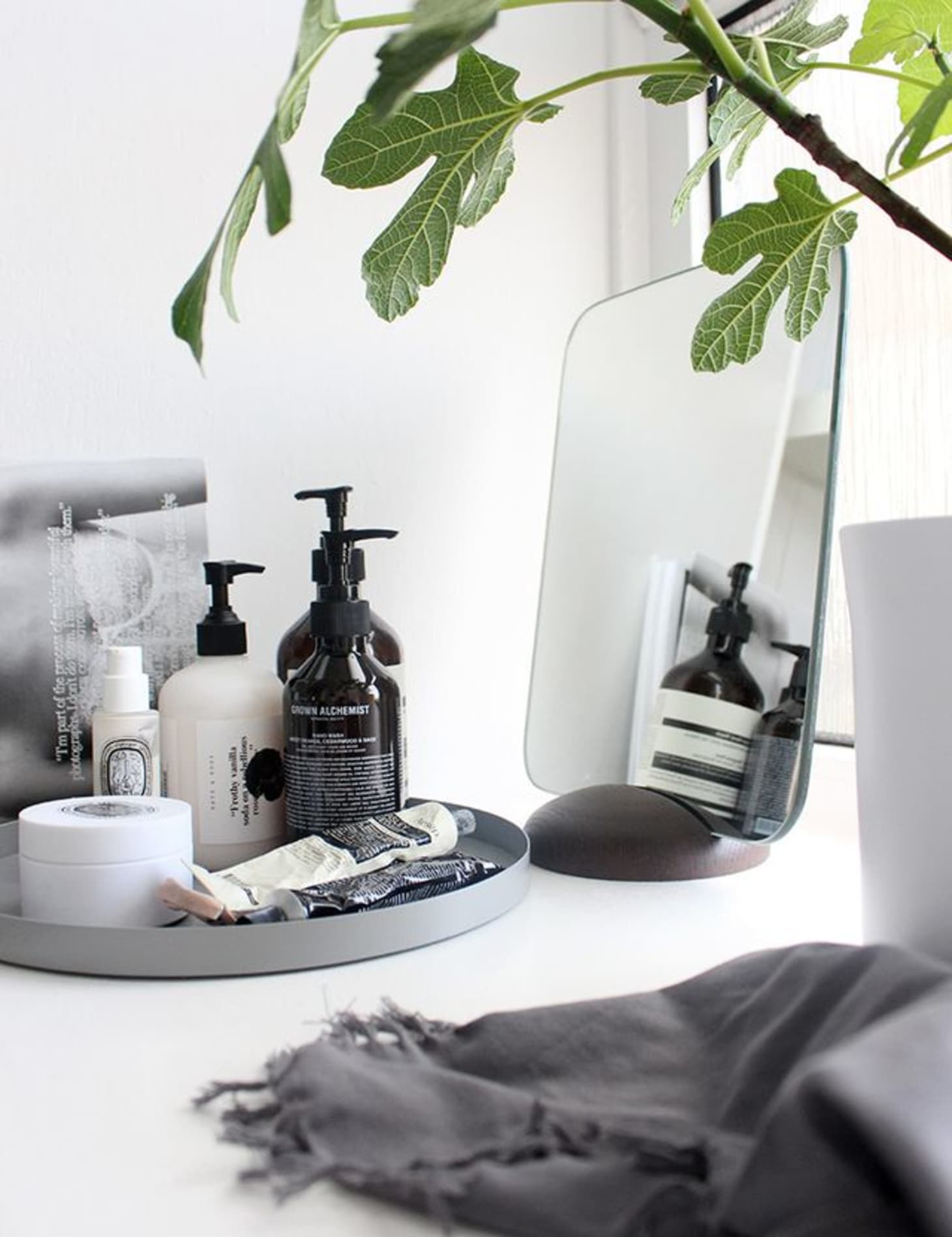 Guest Ready Styling Ideas For Your Bathroom Counter