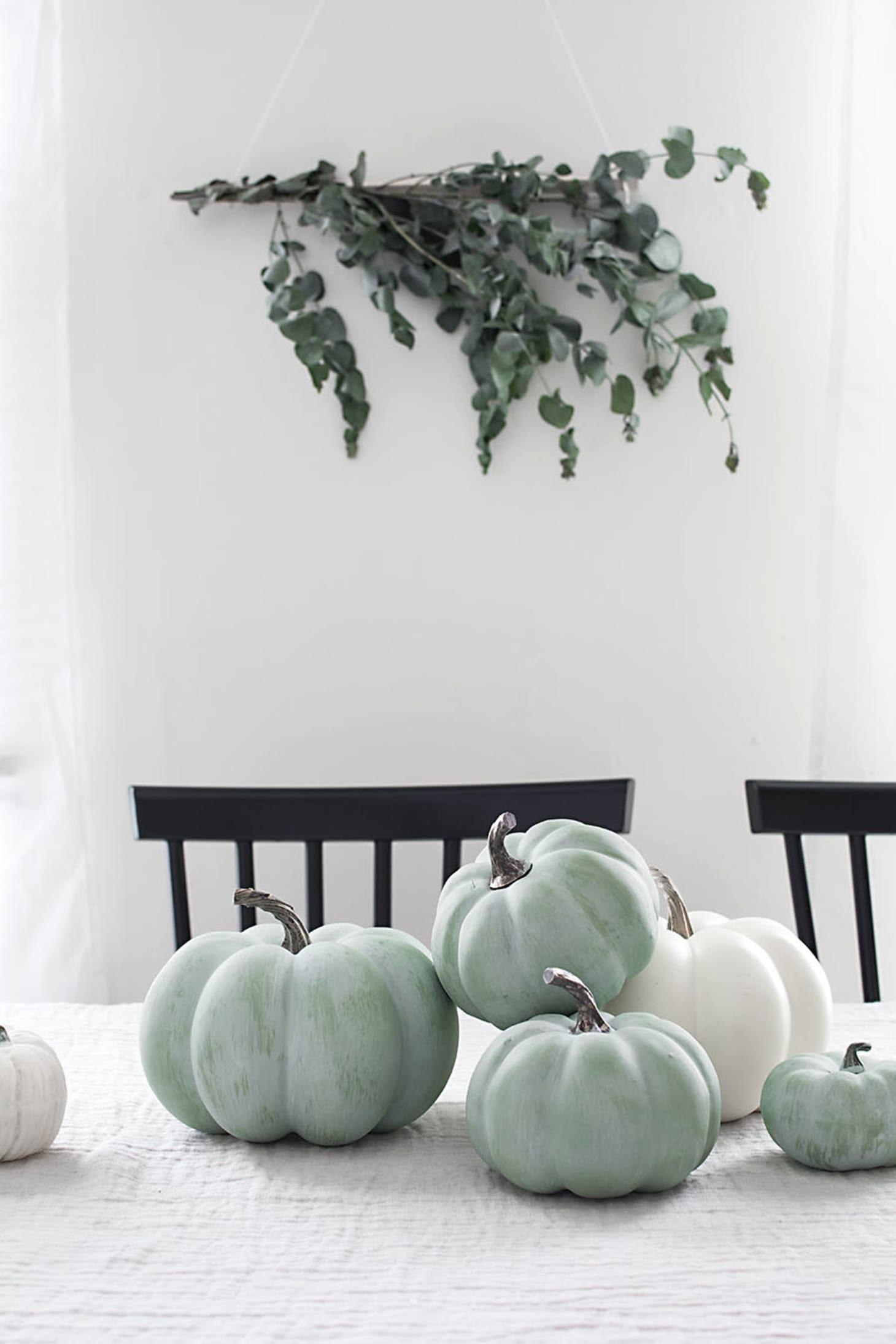 Stylish Pumpkin Decorating Ideas | Apartment Therapy