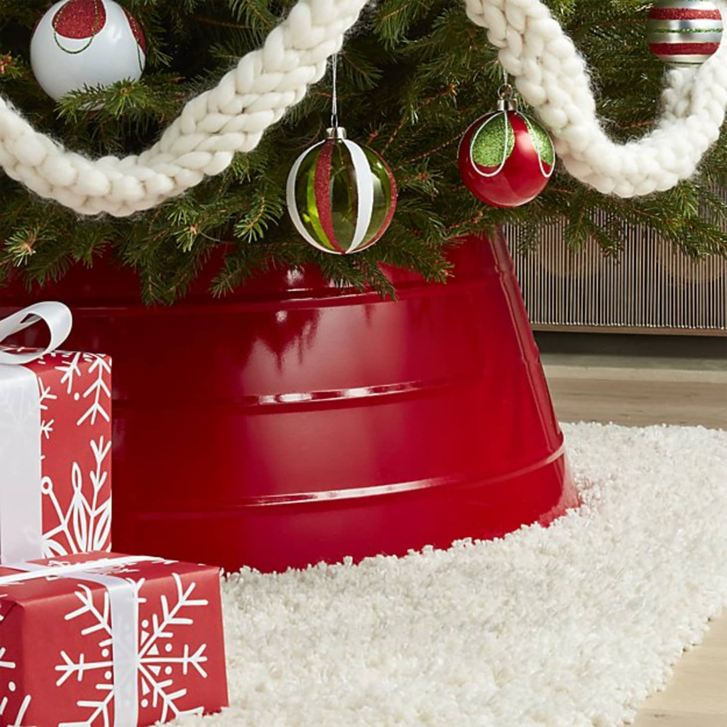 Christmas Crate And Barrel.What Are Christmas Tree Collars Where To Get Them