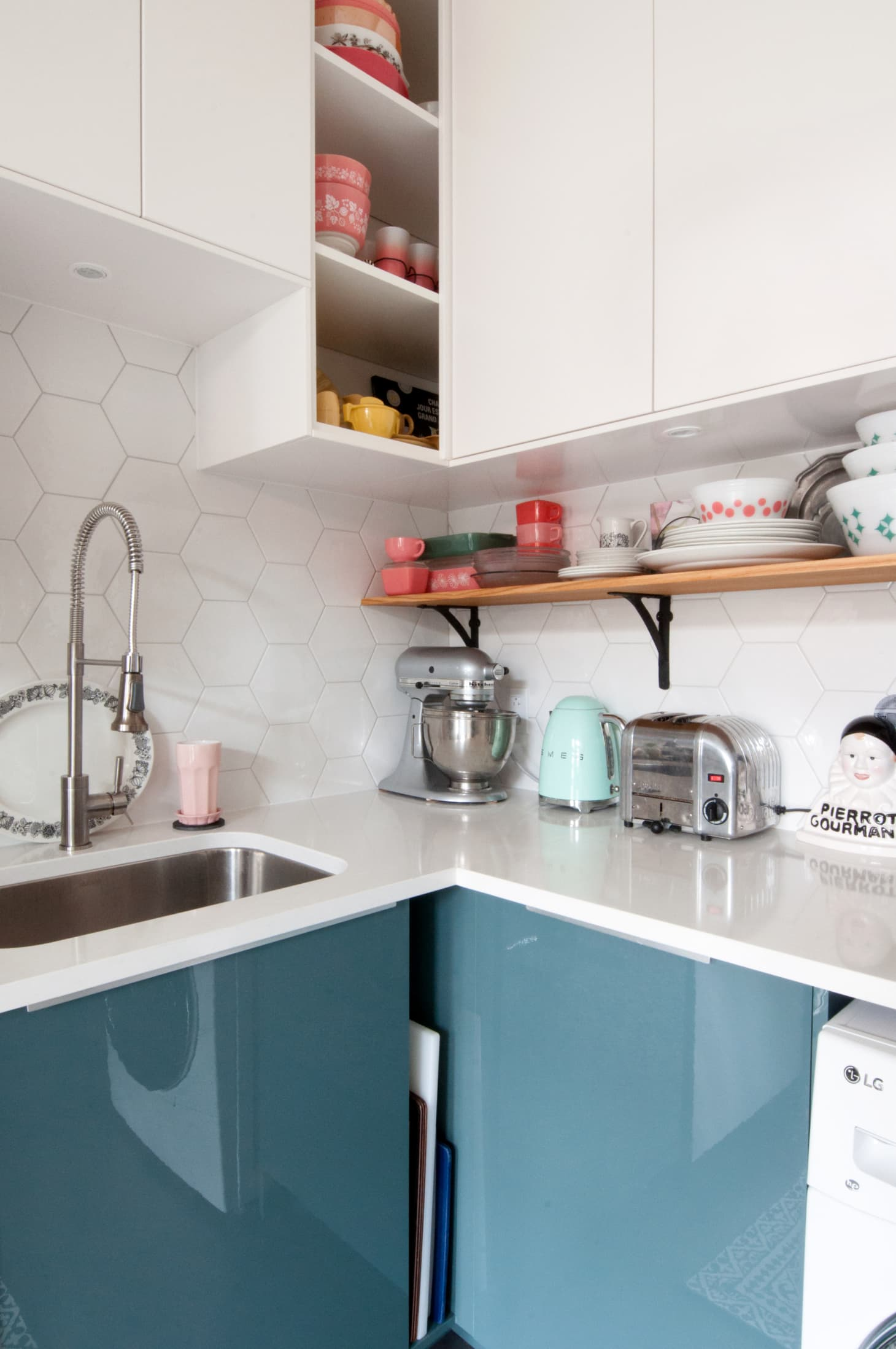 35 Best Small Kitchen Design Ideas - Decorating Small ...