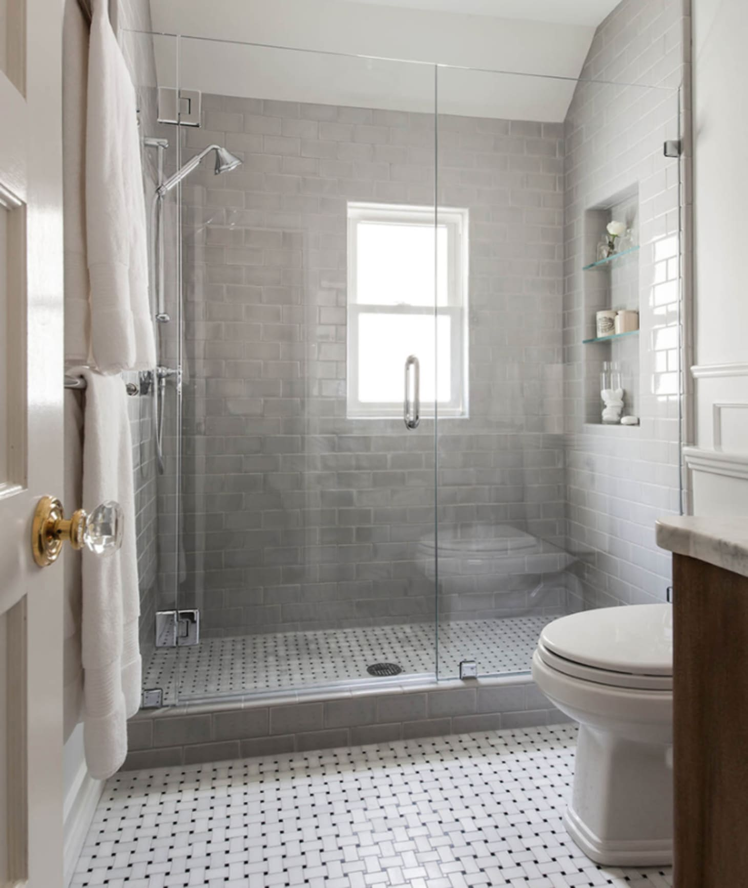 Small Bathroom Color Schemes Gray: Best Paint Colors For Small Bathrooms