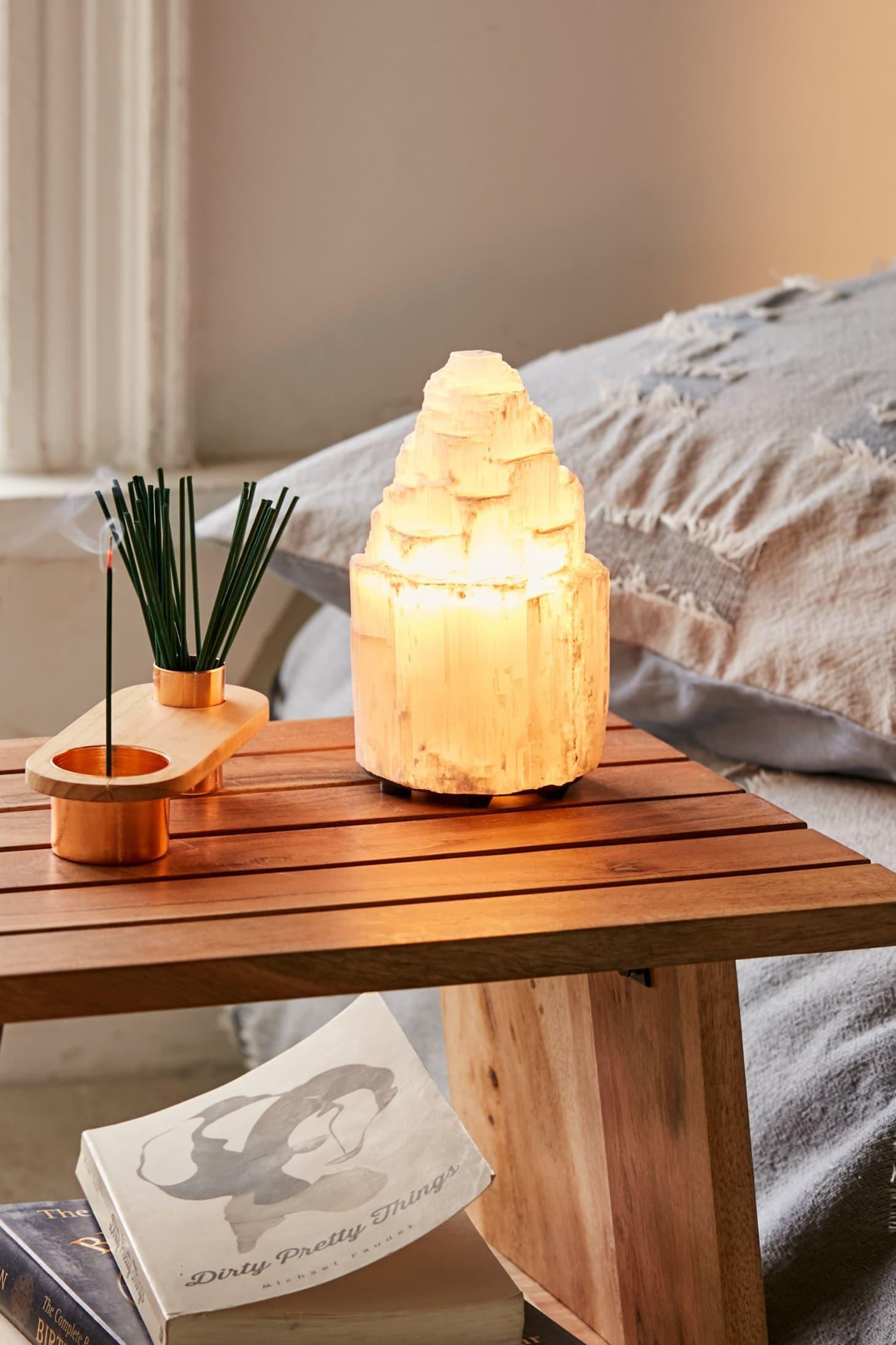 Selenite Lamp vs Himalayan Salt Lamp | Apartment Therapy