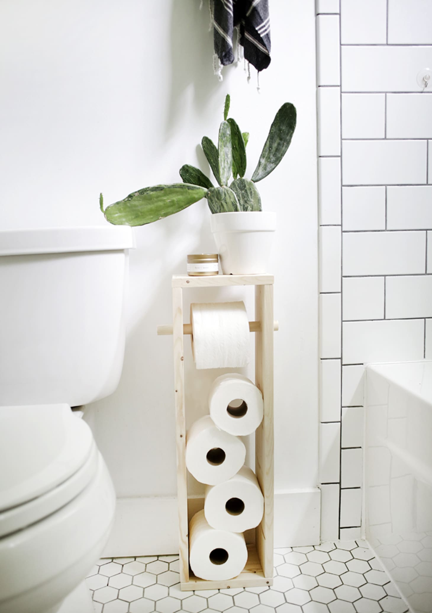 Diy Toilet Paper Holders Cheap And Easy Ideas Apartment