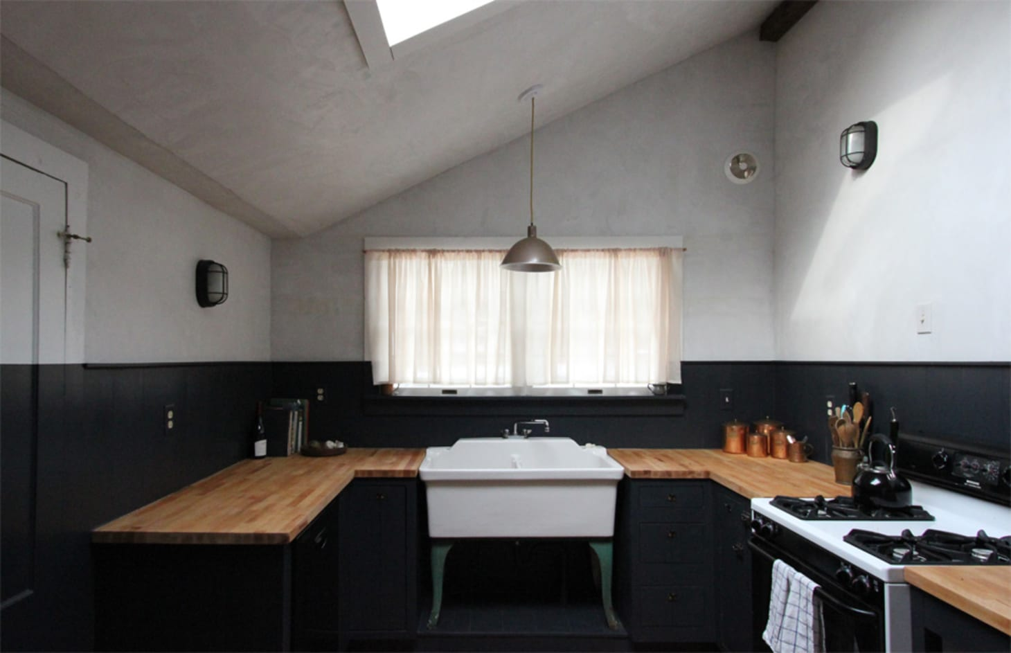 The Best Black Paint For Kitchen Cabinets Apartment Therapy