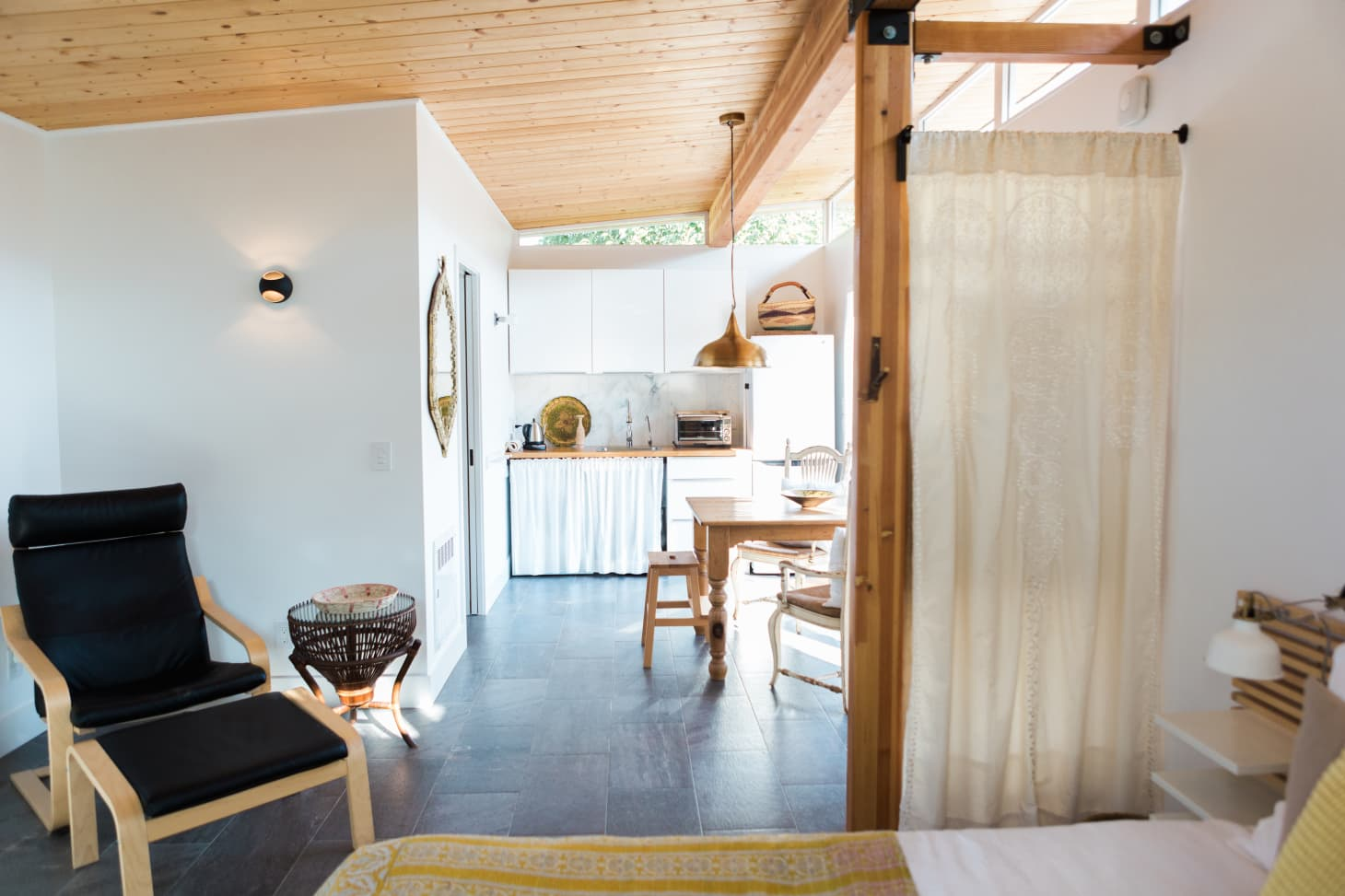 6 Major Decorating Tips From Tiny House Owners Apartment
