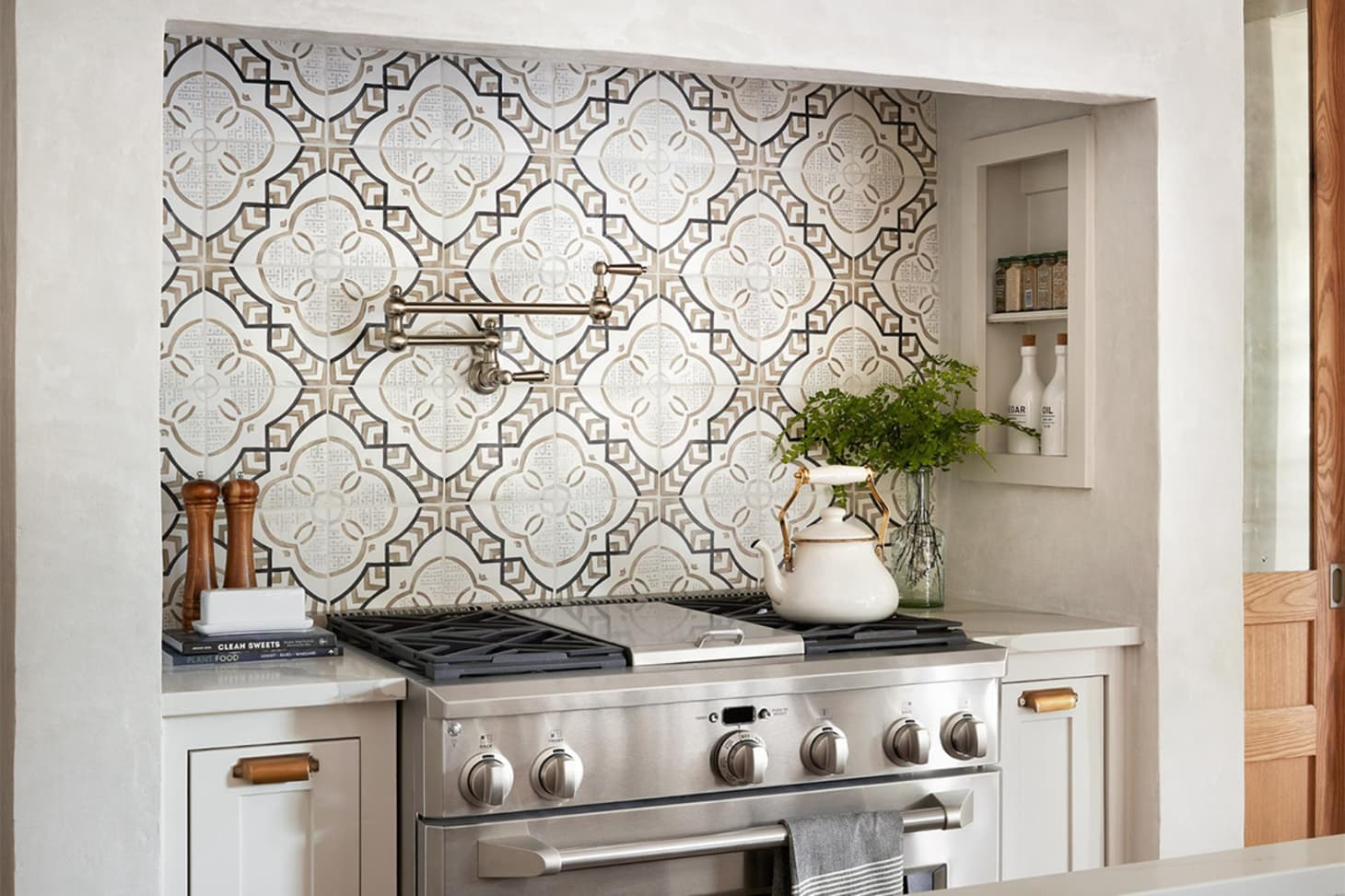 Best Fixer Upper Kitchen Designs From Joanna Gaines Apartment Therapy