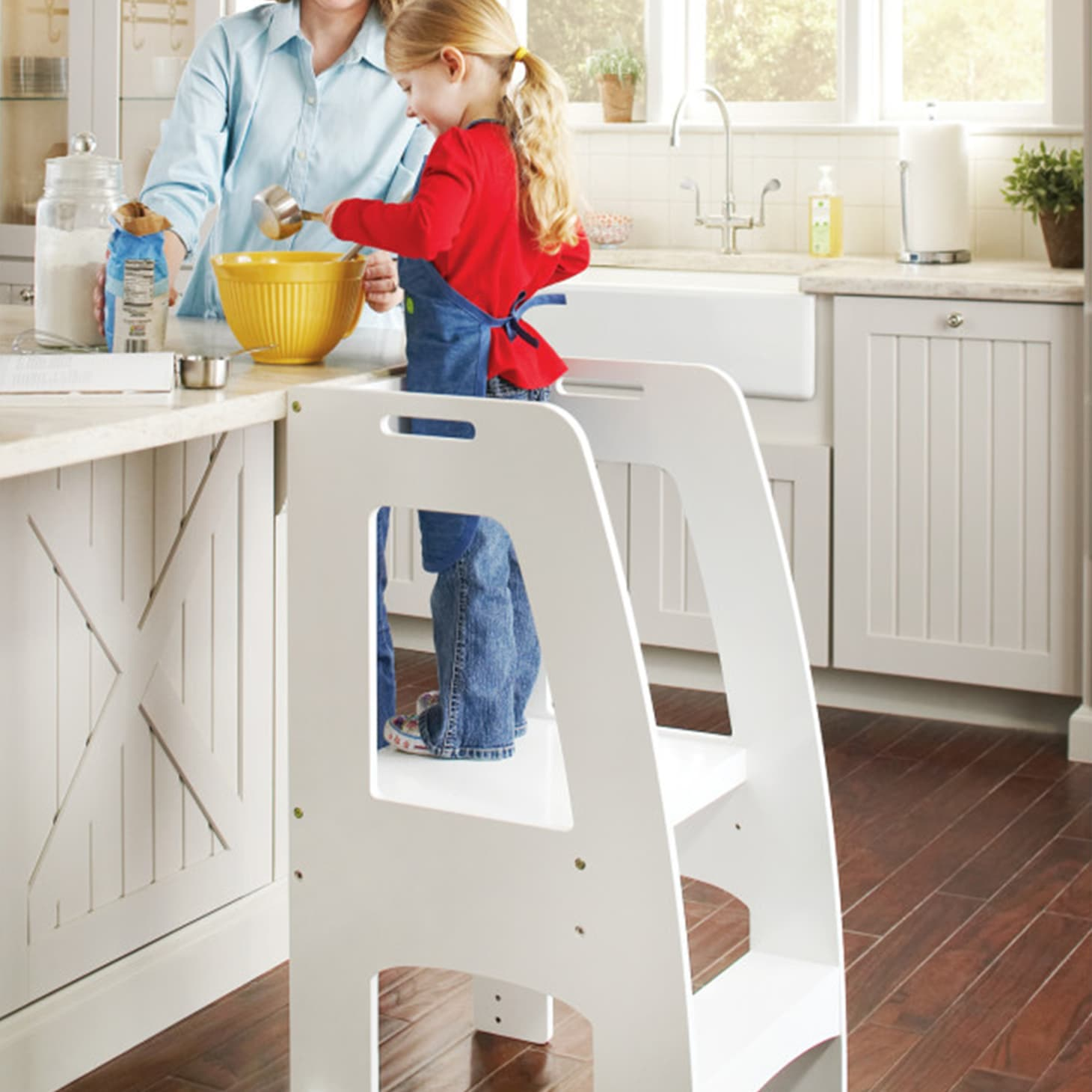 Enjoyable Platforms And Step Stools For Kids In The Kitchen Kitchn Theyellowbook Wood Chair Design Ideas Theyellowbookinfo