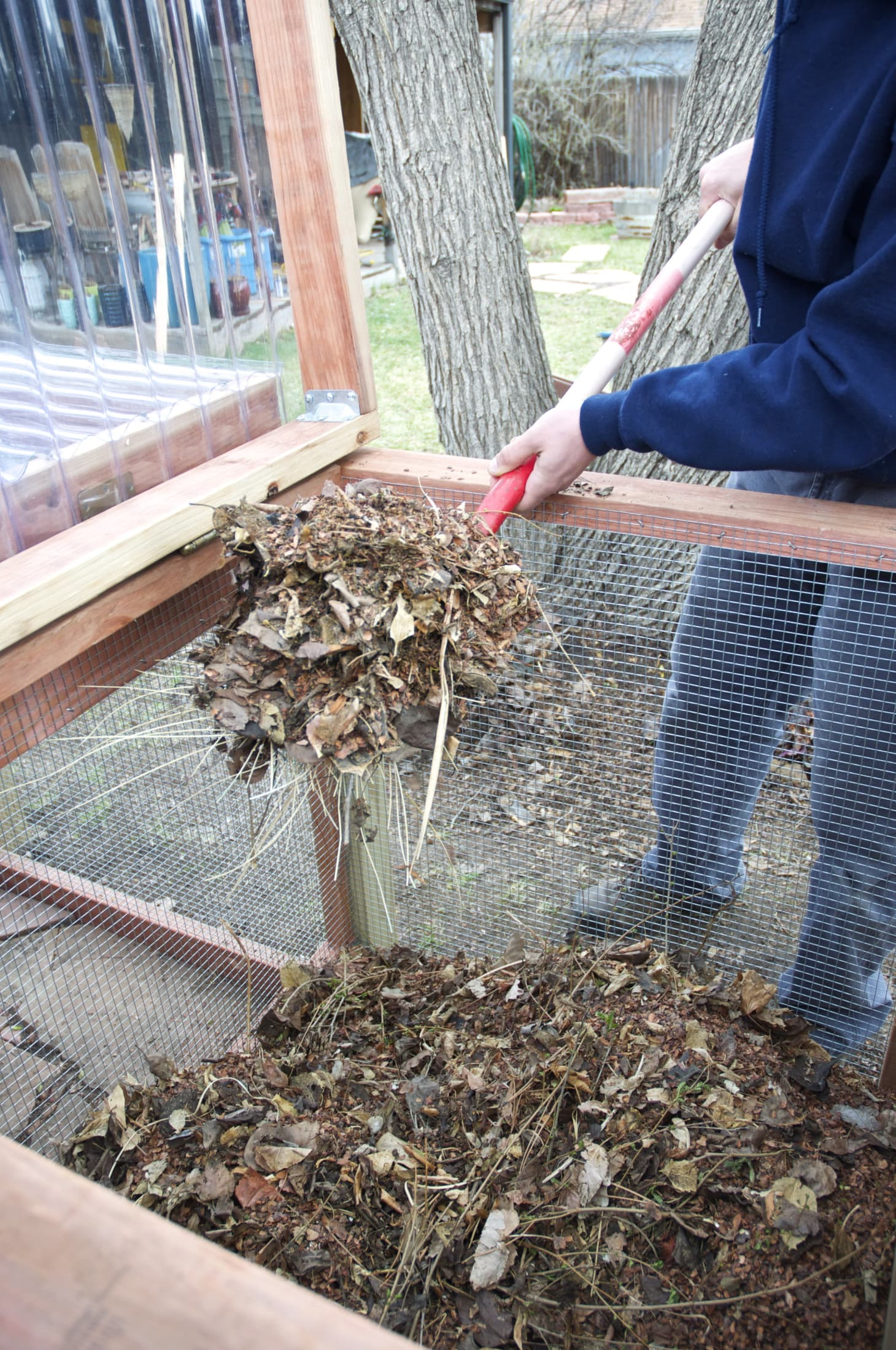 A Guide to Setting up a Simple Backyard Compost System | Kitchn