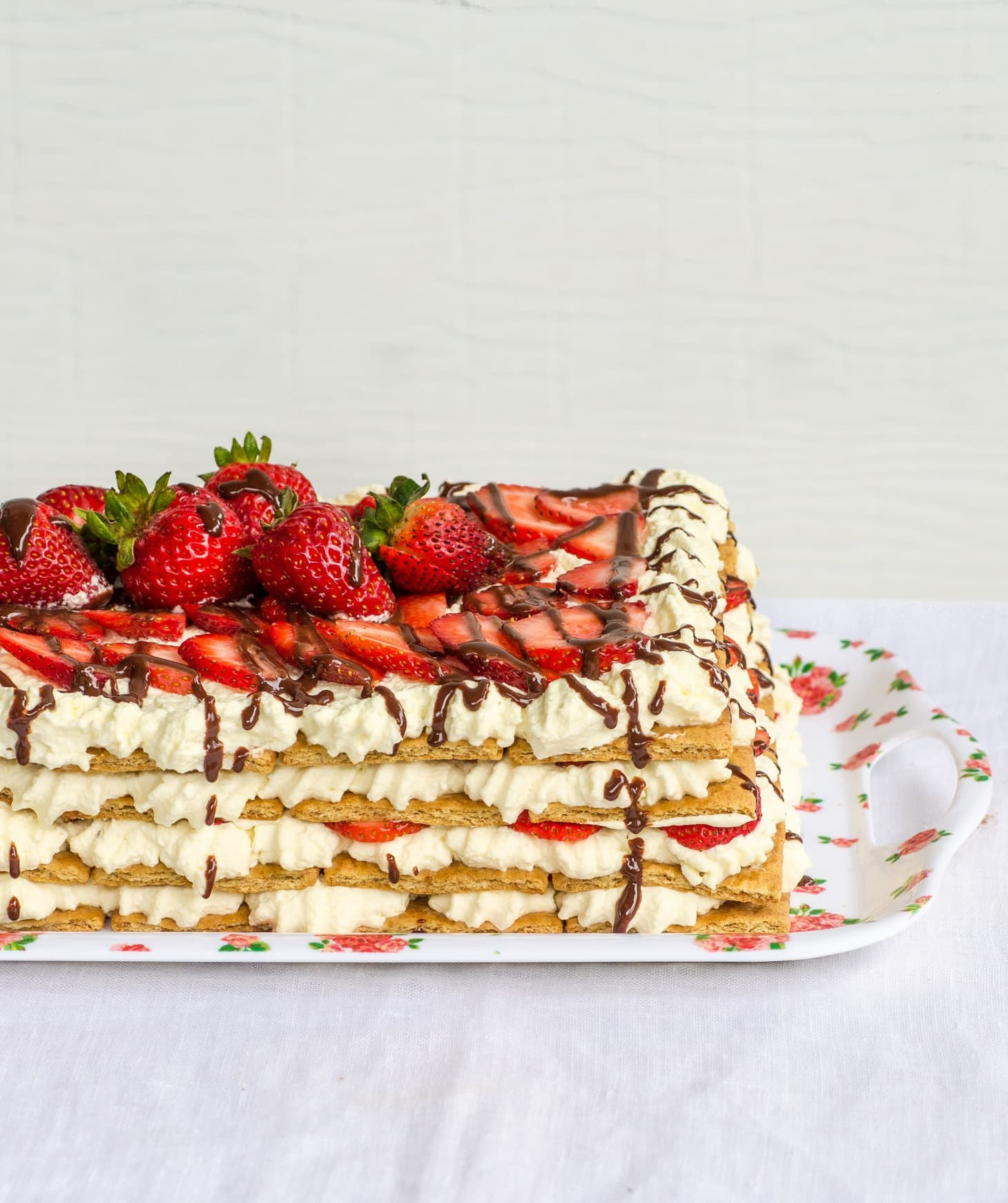 Strawberry Icebox Cake: Recipe: No-Bake Strawberry Icebox Cake