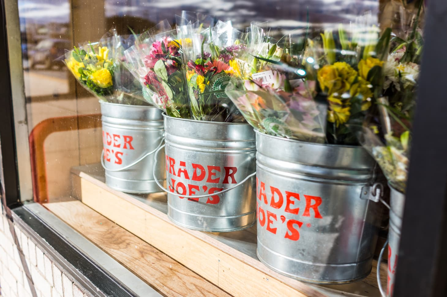 Cheapest Flowers - Trader Joe's, Costco, Whole Foods | Kitchn