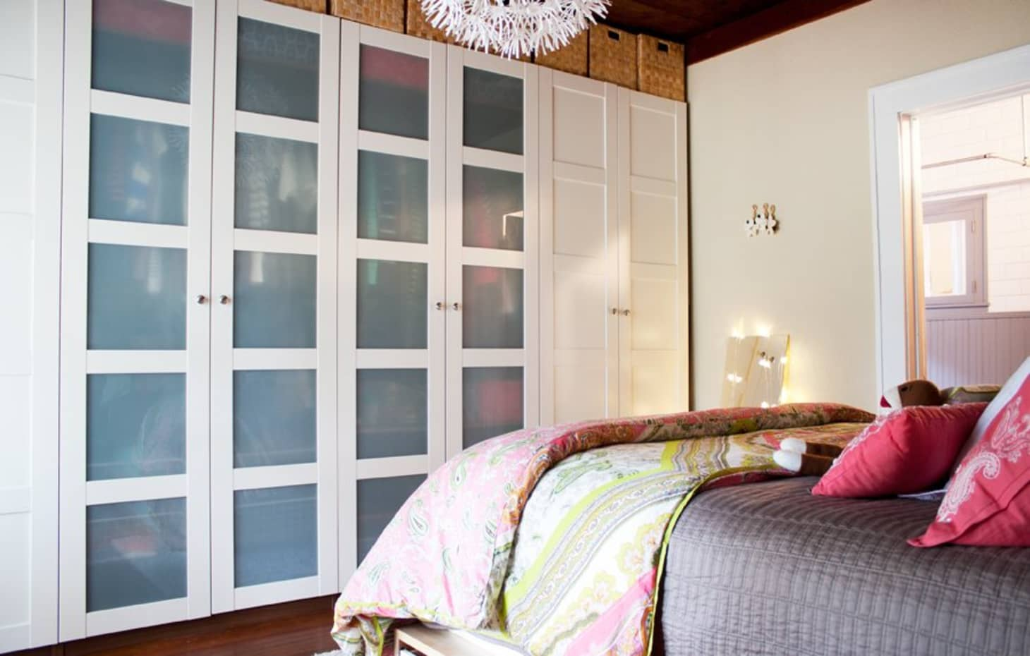 Bedroom Storage Ideas - Small Bedroom Organization ... on Small Apartment Organization  id=60724