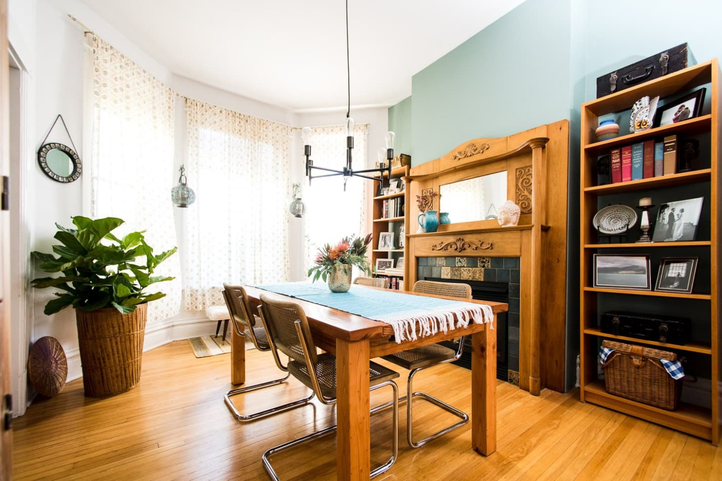 House Tour A Soothing Soulful Logan Square Apartment