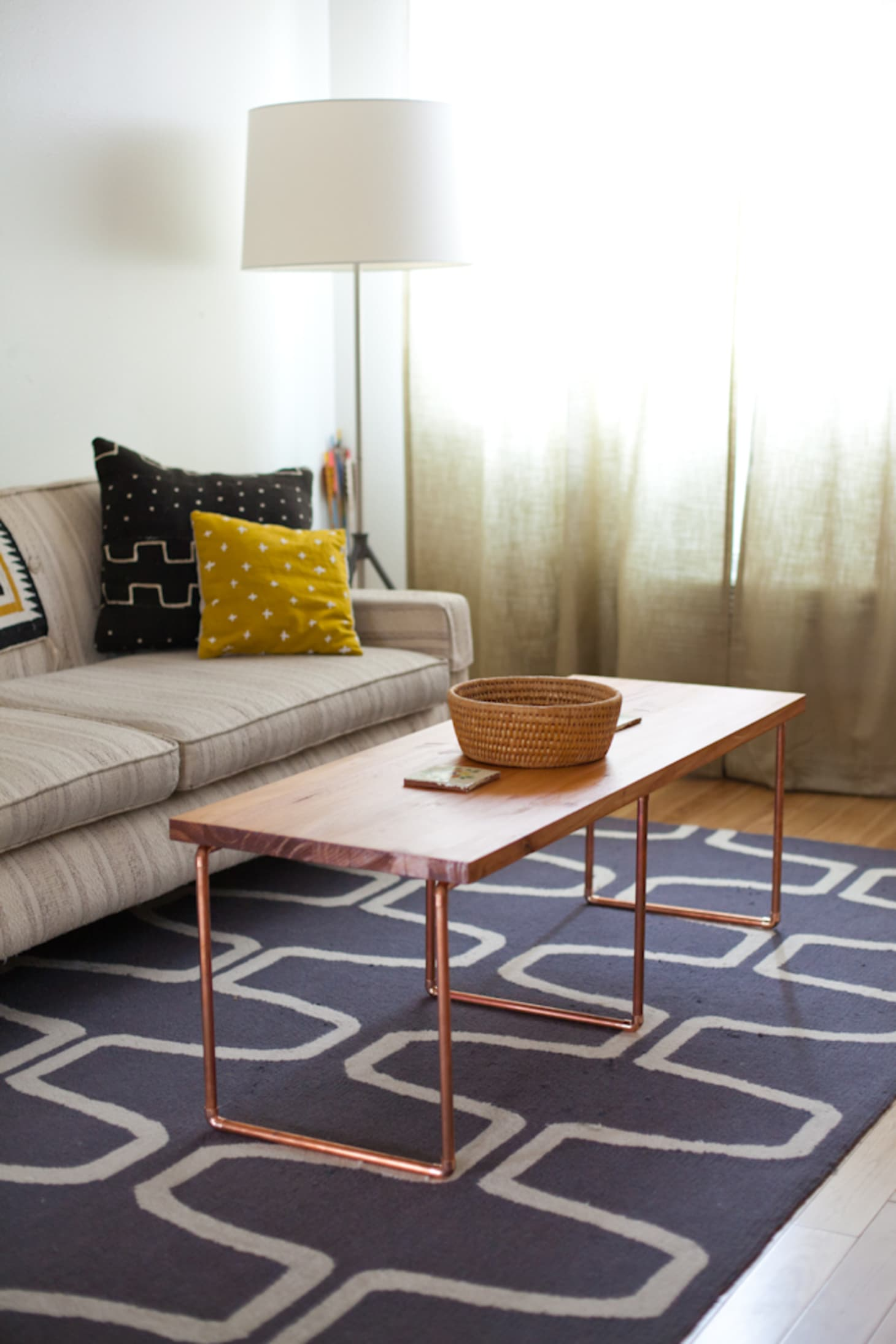 25 On-the-Cheap DIY Ideas to Make Your Living Room Look ...
