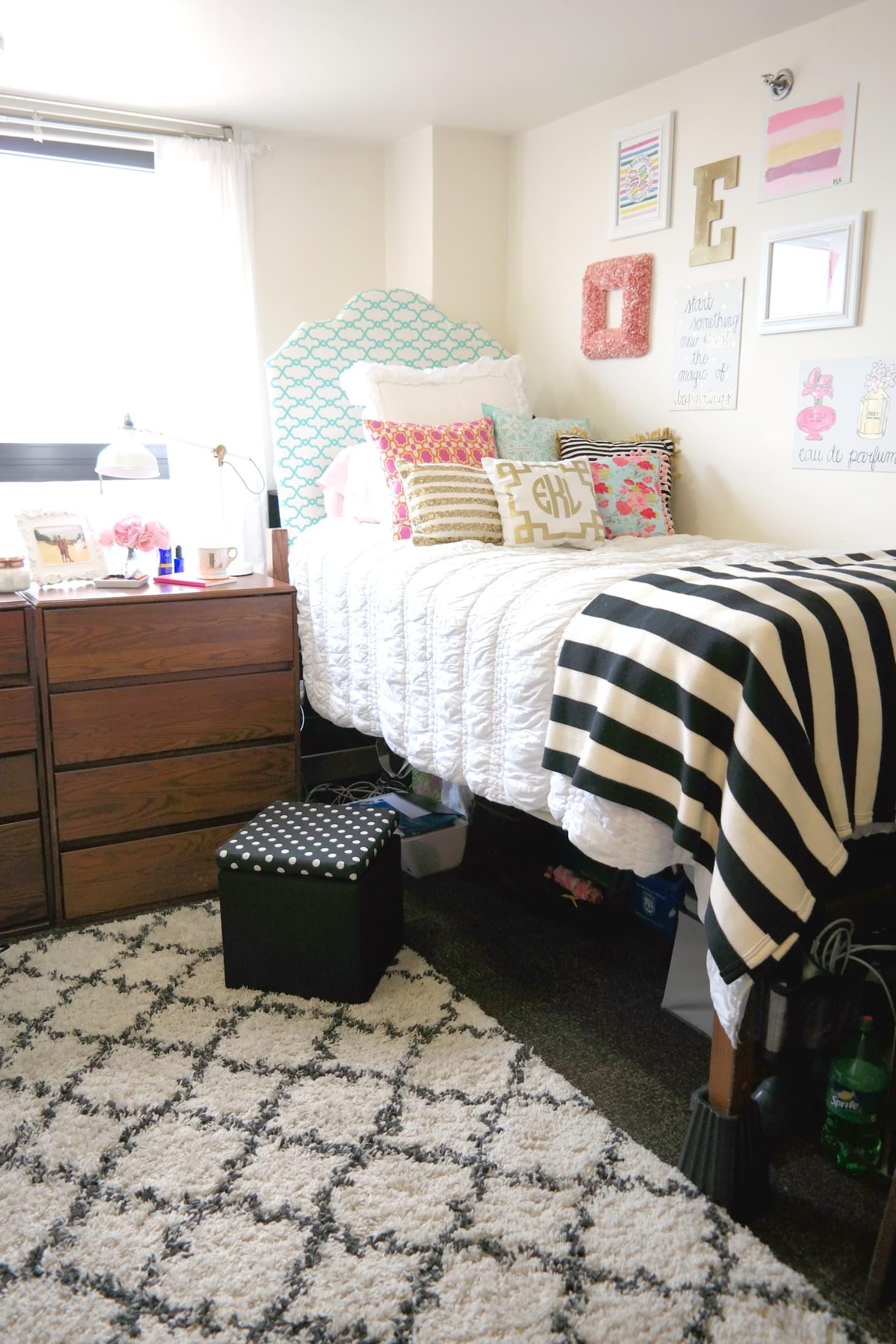 A Dozen Tips For A Super Organized Dorm Room Apartment