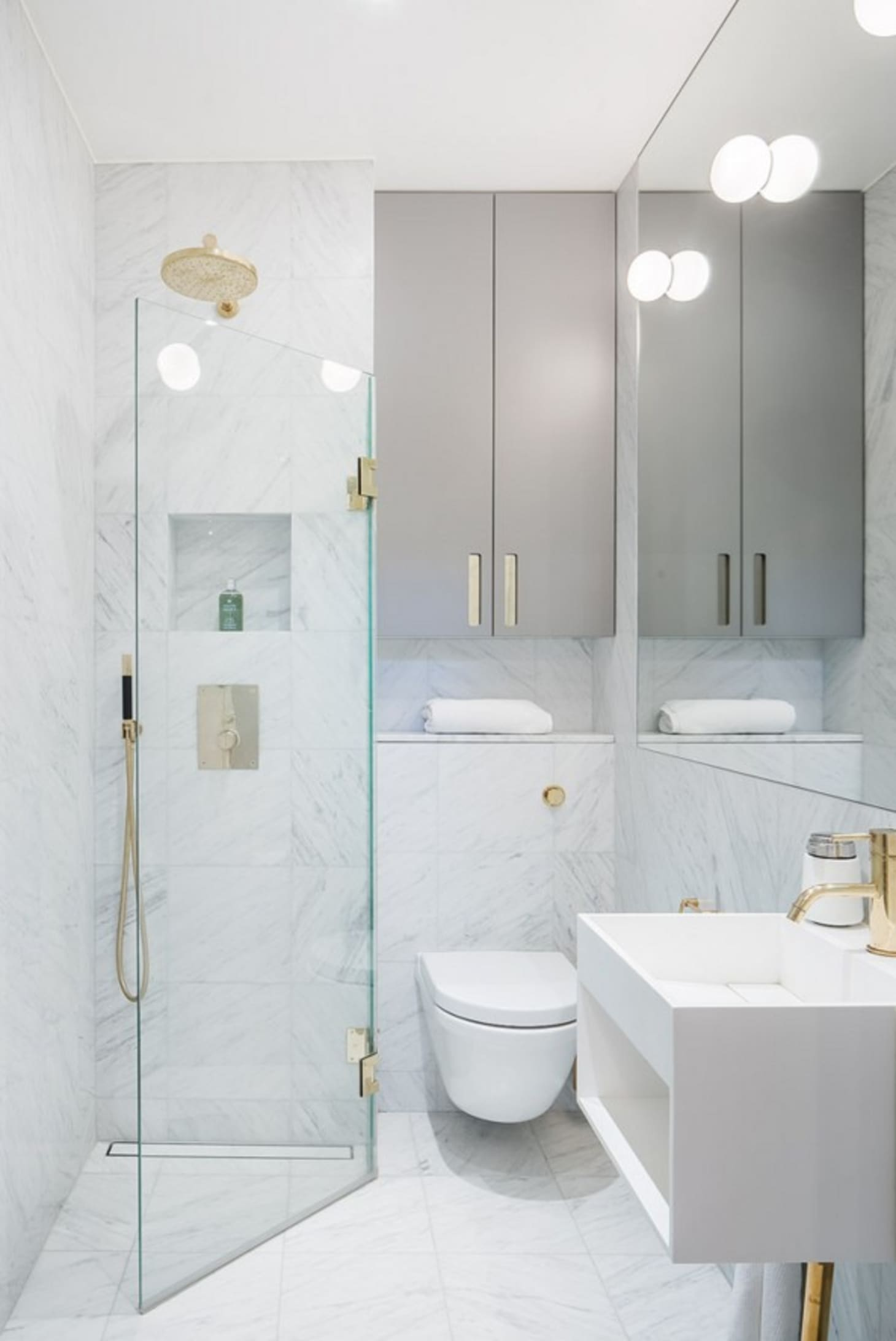 Stylish Remodeling Ideas for Small Bathrooms | Apartment ... on Small Apartment Bathroom  id=12099