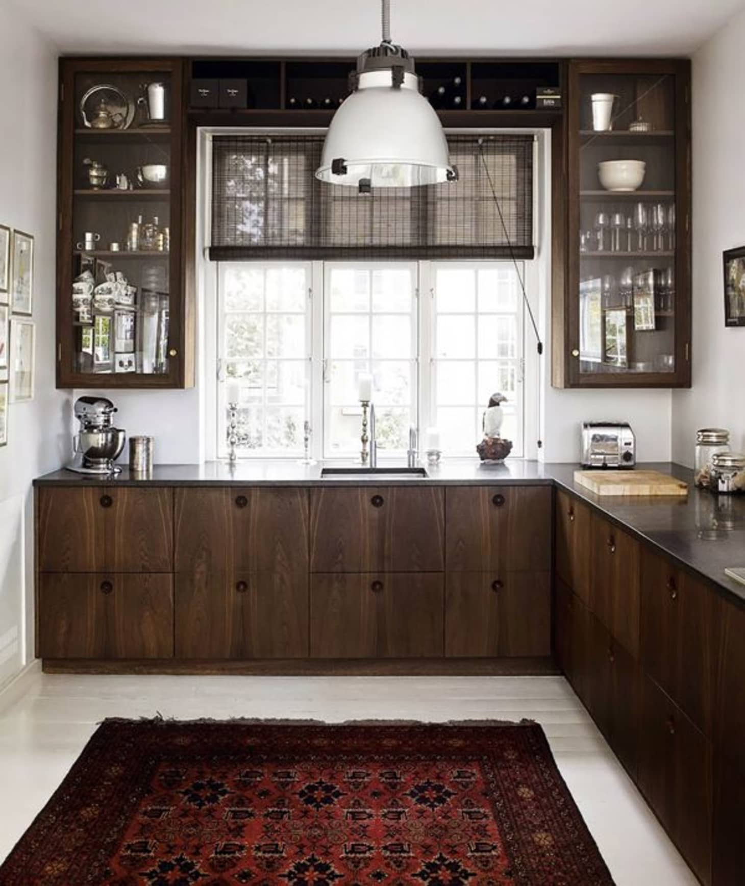A Gallery of Glass Kitchen Cabinet Doors That Are Gorgeous ...