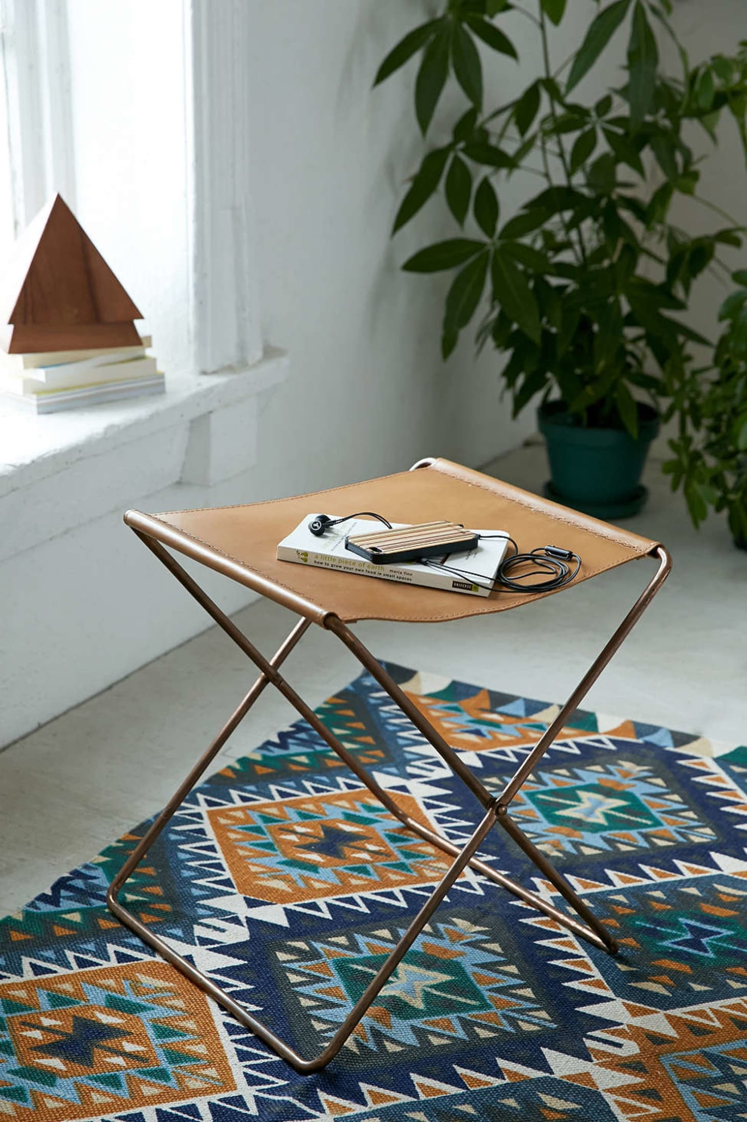The Best Coffee Tables For Small Spaces Apartment Therapy