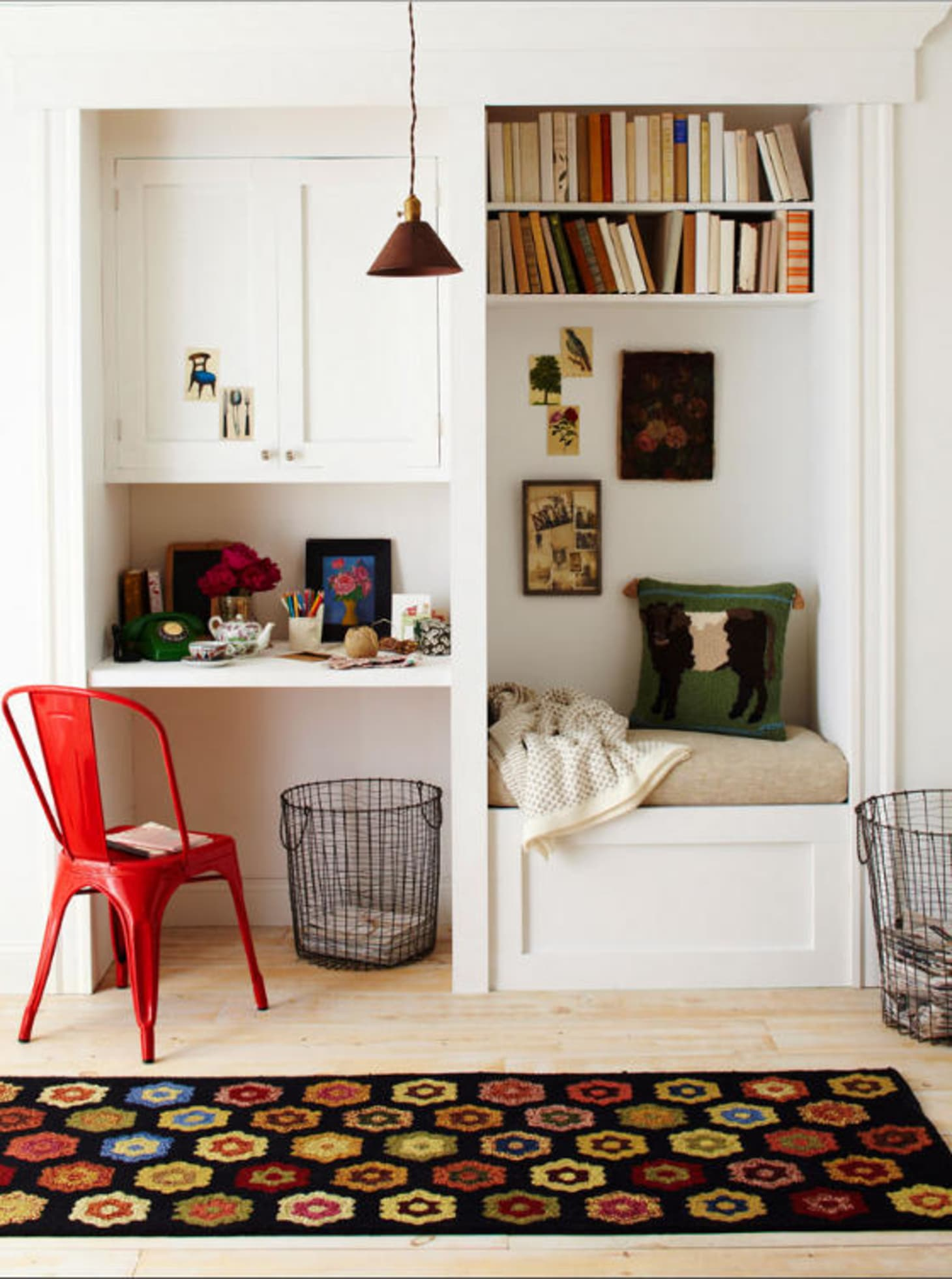 Living Room Study: How To Fit A Reading Nook Into The Smallest Of Spaces